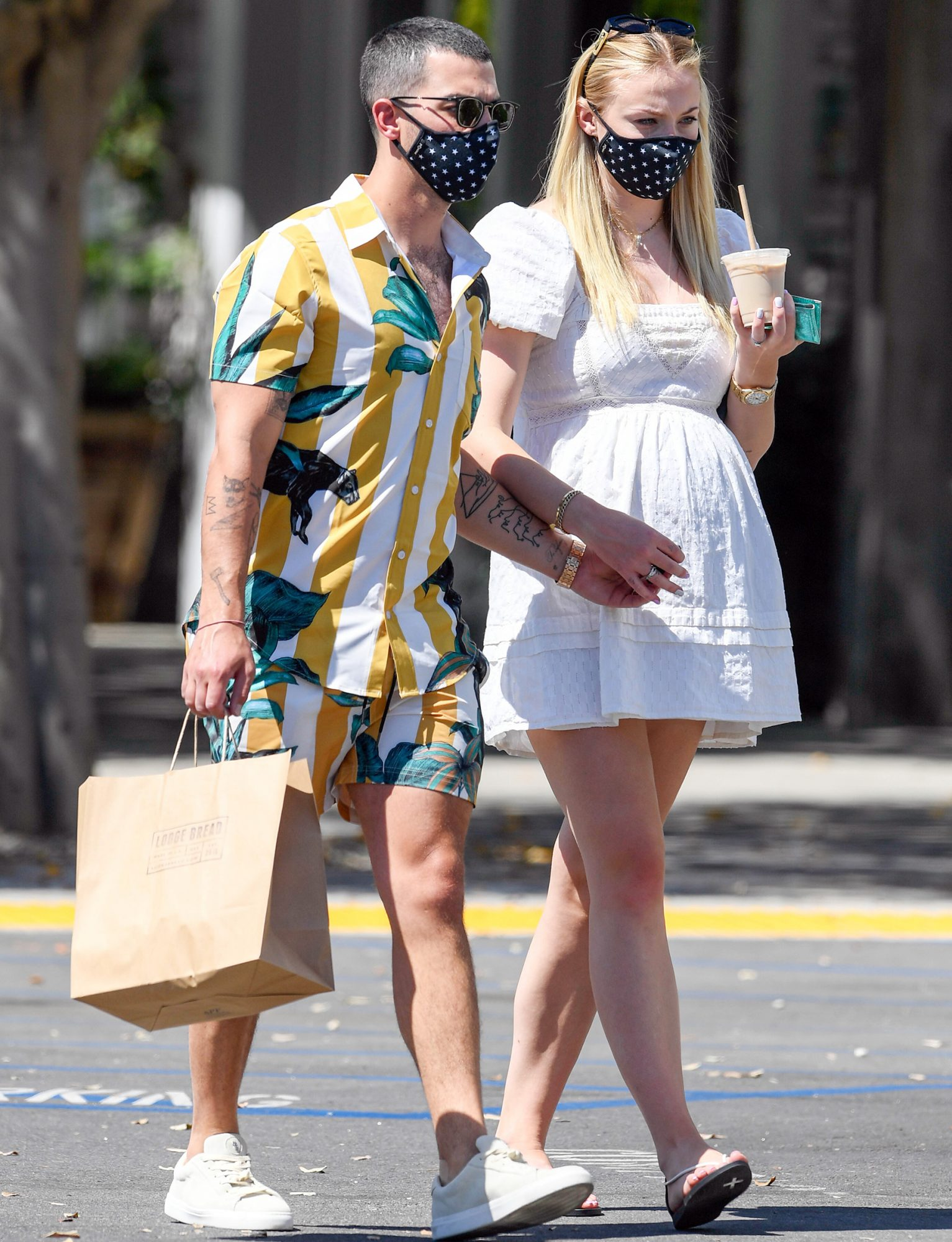 Joe Jonas and Sophie Turner meet friends for lunch