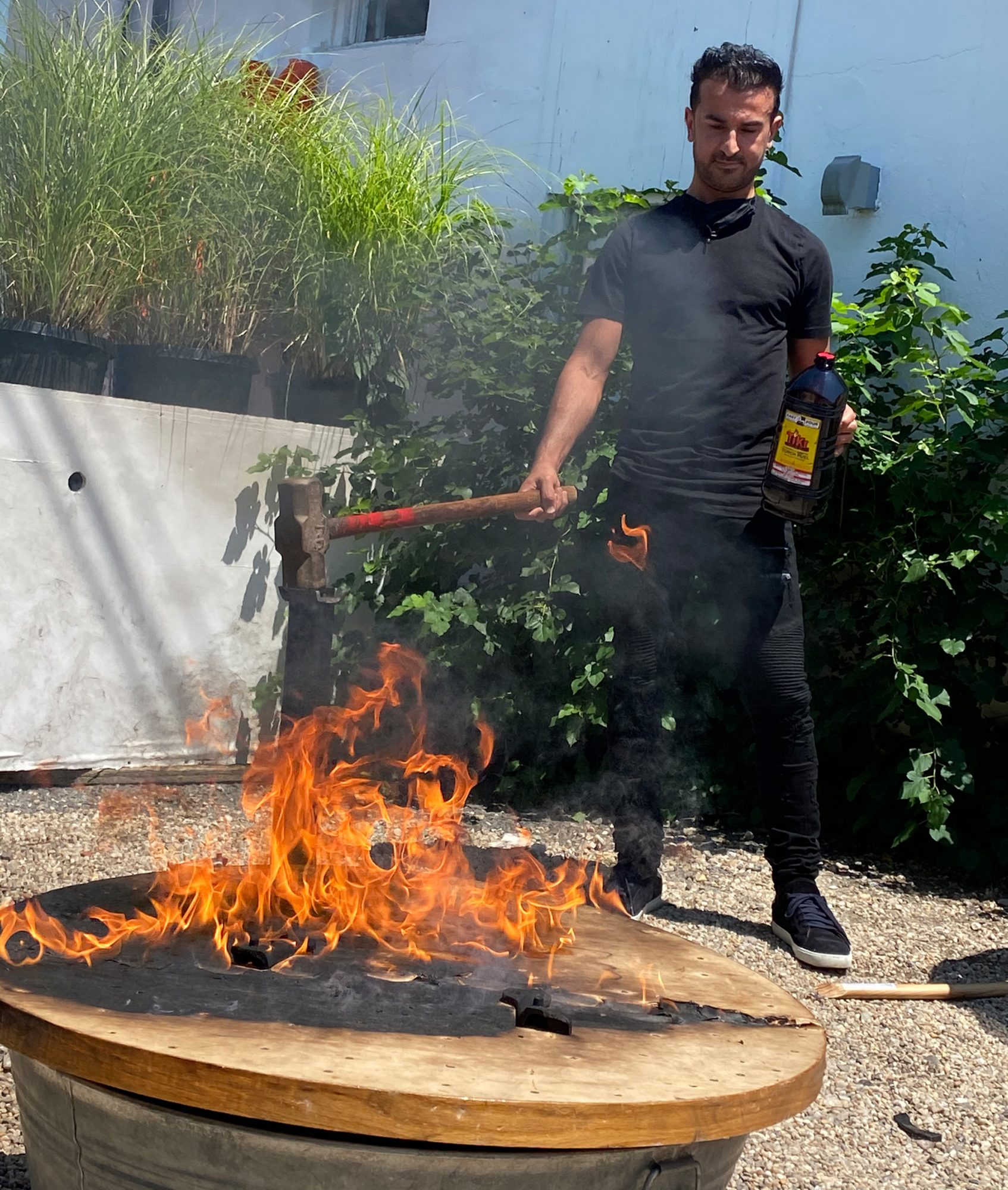 75 Main in South Hampton - Restaurant Owner Sets Fire to Table Where Harvey Weinstein and Jeffrey Epstein Sat