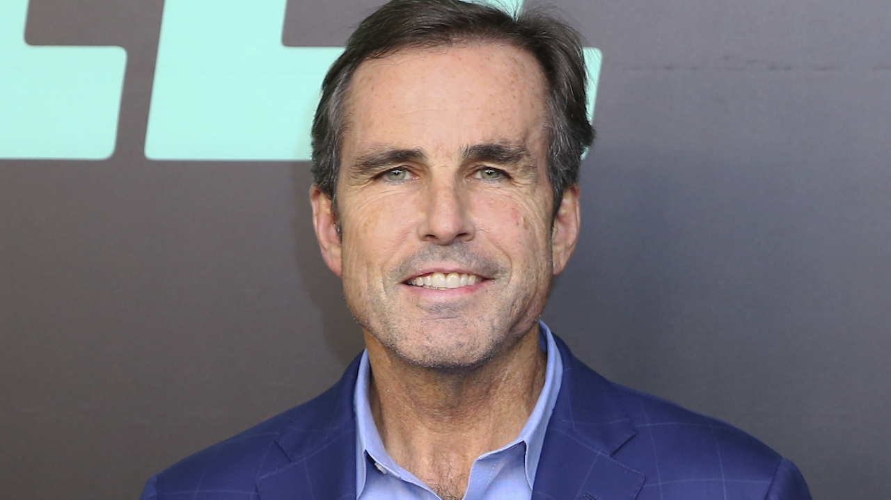 Bob Woodruff Travels the World with Son in 'Rogue Trip' After Recovery from 2006 IED Injury