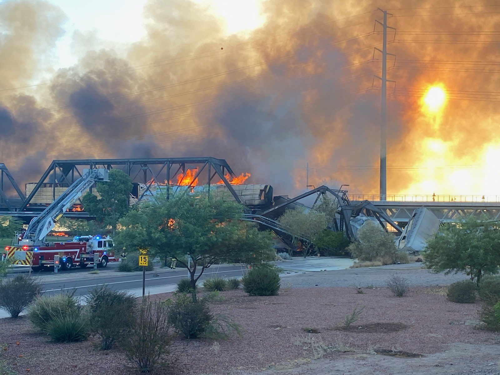 Arizona train derailment and fire