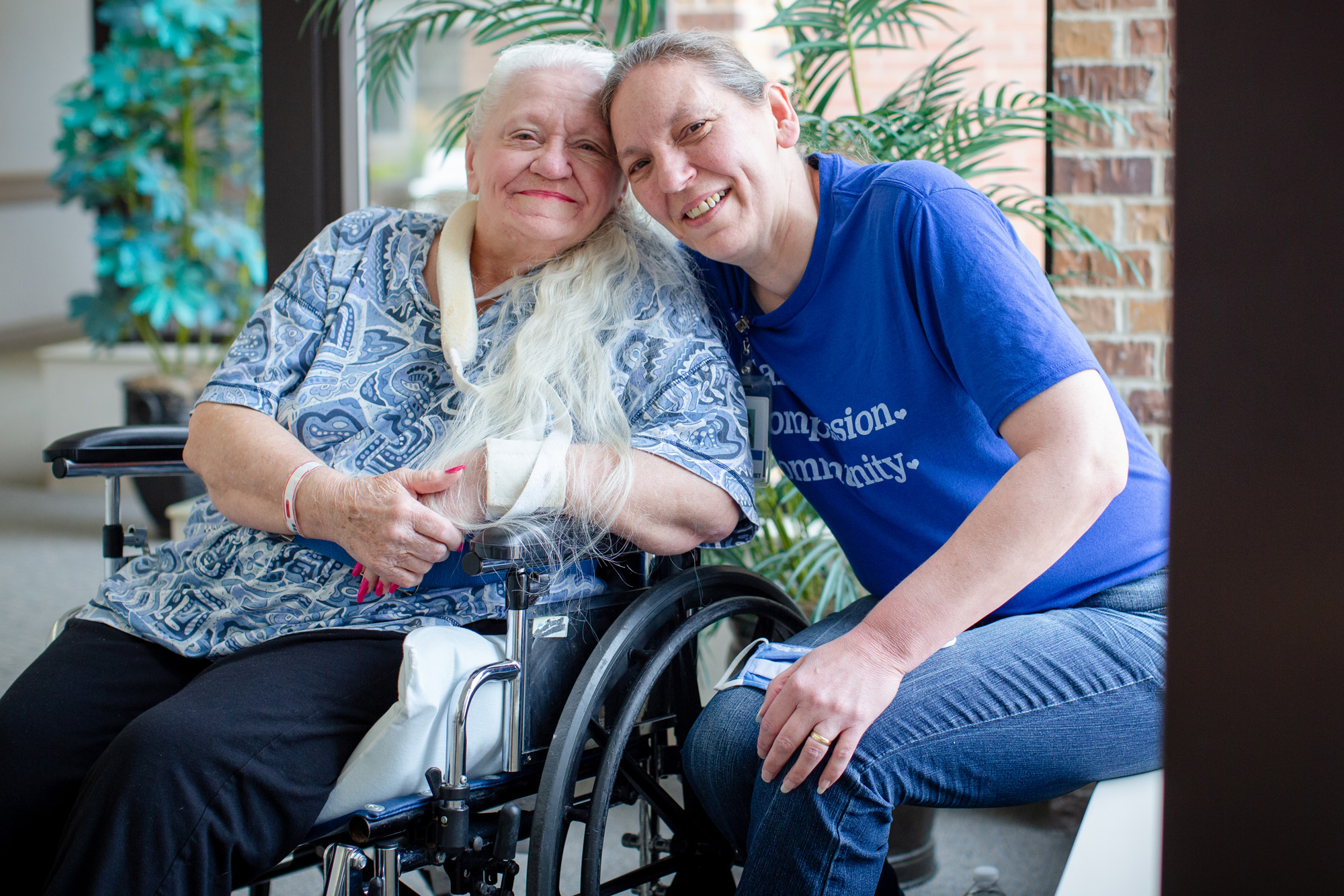 Doris Crippen with her long-lost sister, Bev Boro, after they were unexpectedly reunited at a rehabilitation center