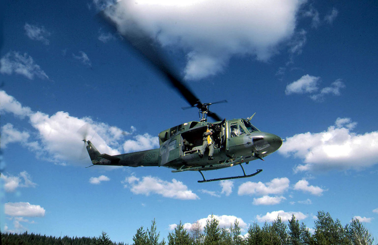 UH-1N helicopter