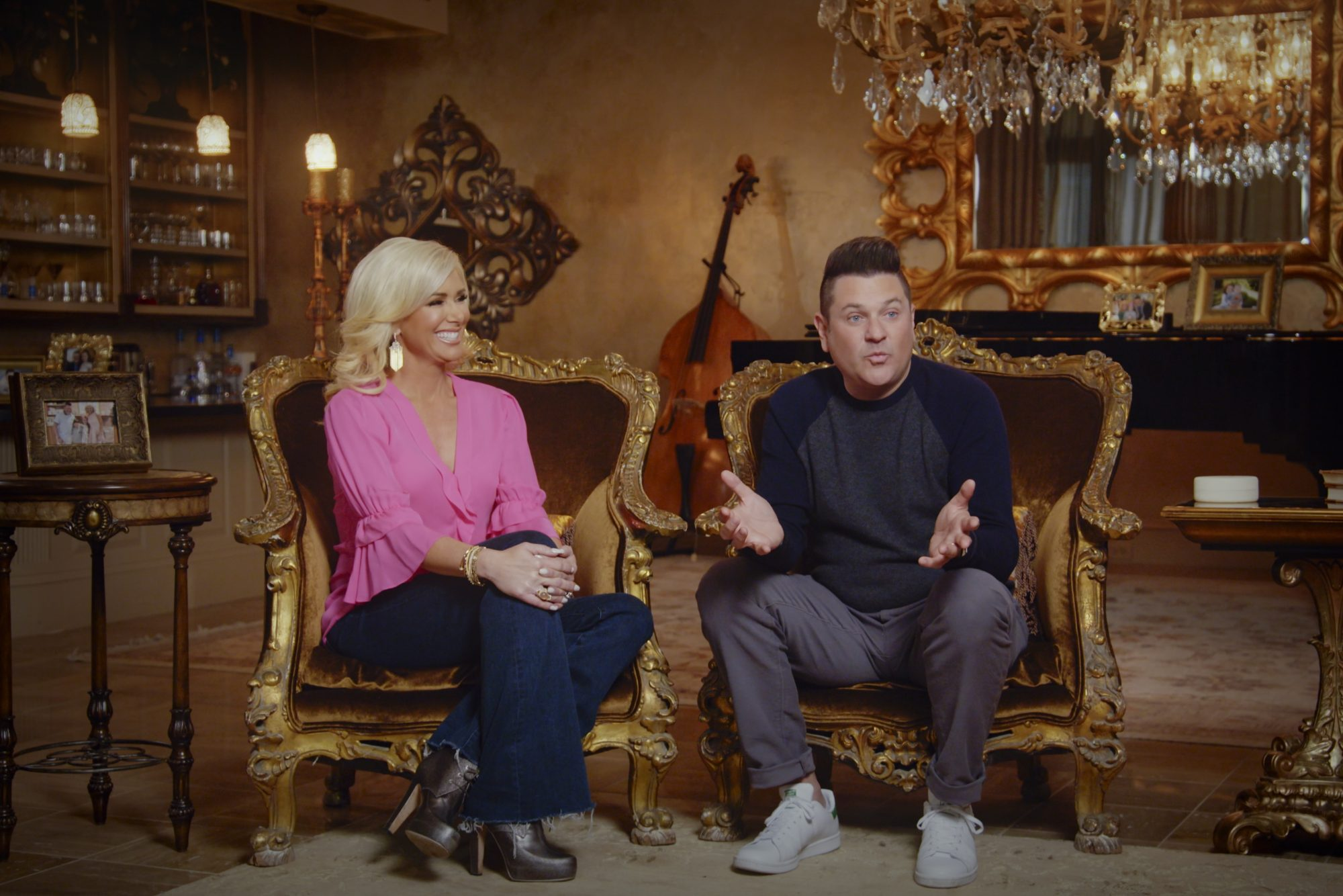 Allison DeMarcus and Jay DeMarcus in episode 1 of DEMARCUS FAMILY RULES