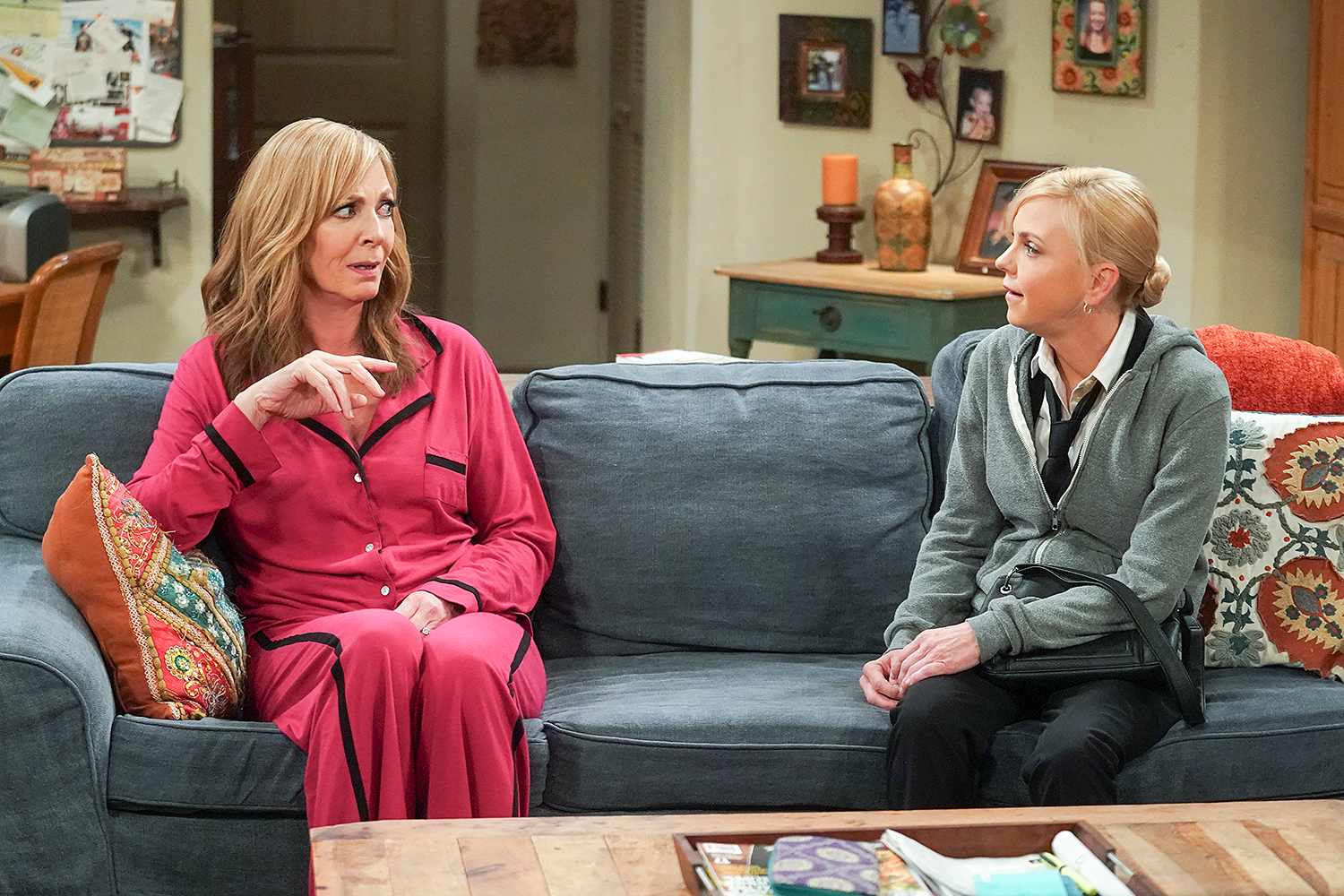 Allison Janney and Anna Faris in Mom