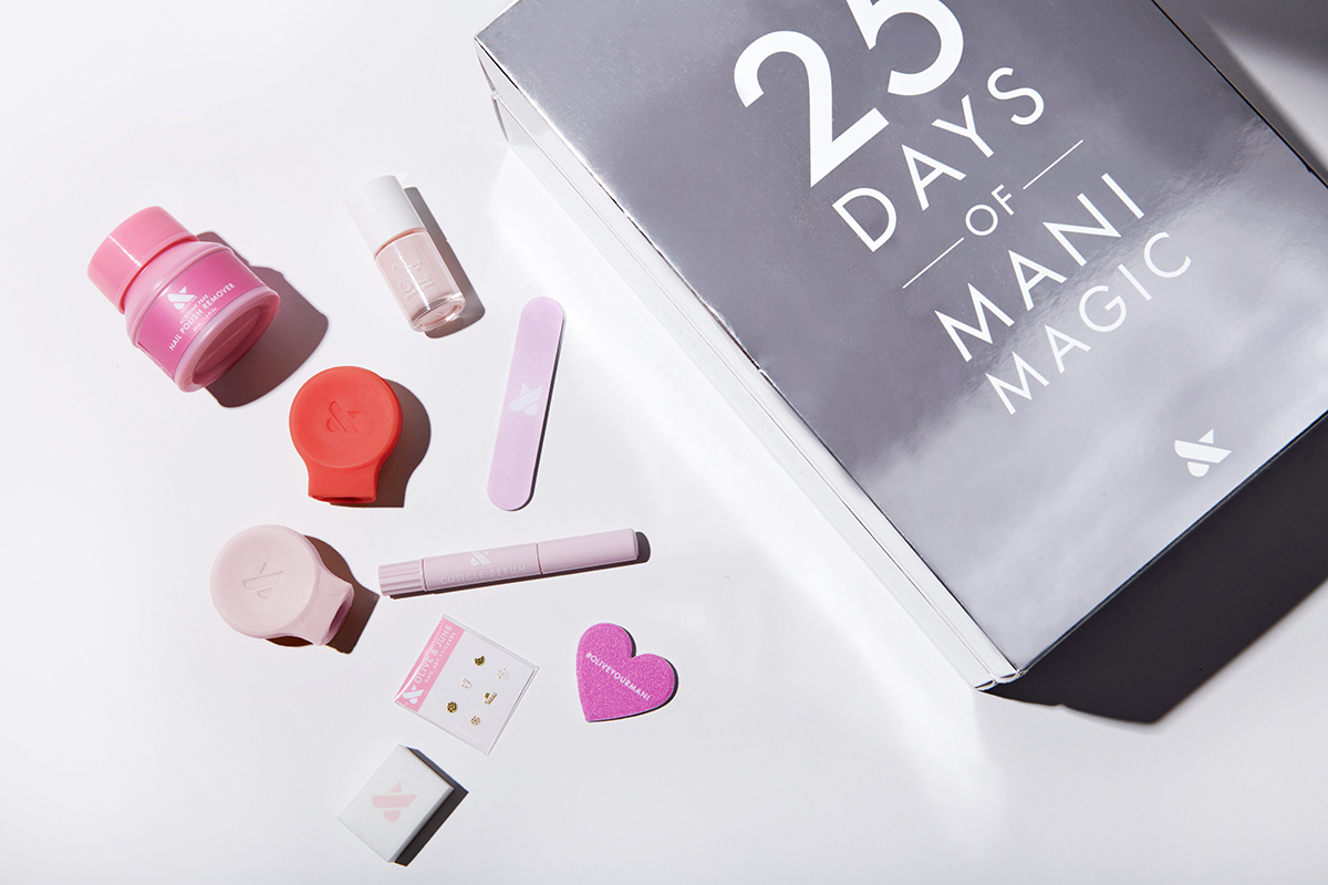 ADVENT CALENDAR 25 DAYS OF MANI MAGIC