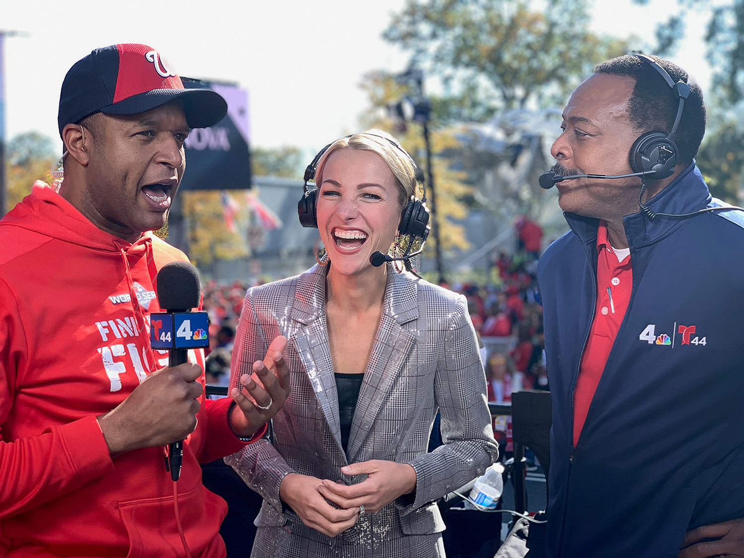 Lindsay Czarniak (center) and Craig Melvin (left)