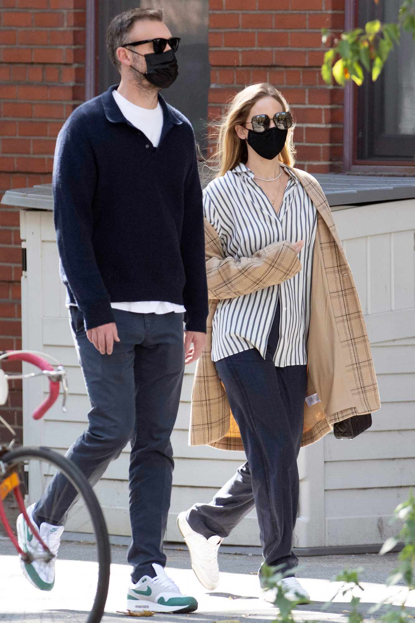 Jennifer Lawrence And Husband Cooke Maroney Take A Walk To Lunch In New York City