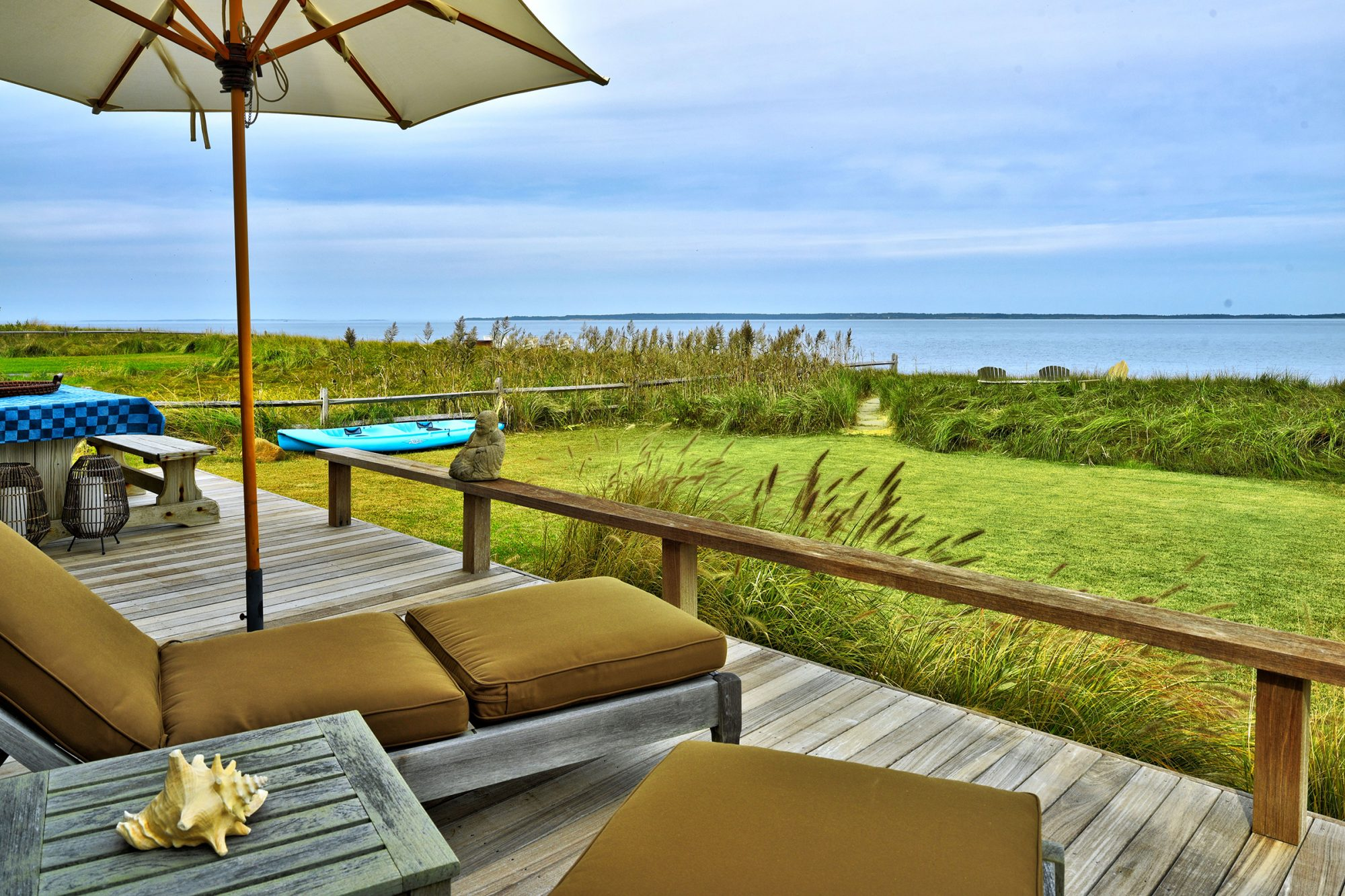 Kim Cattrall Lists Her East Hampton Home for $3.2M — See Inside