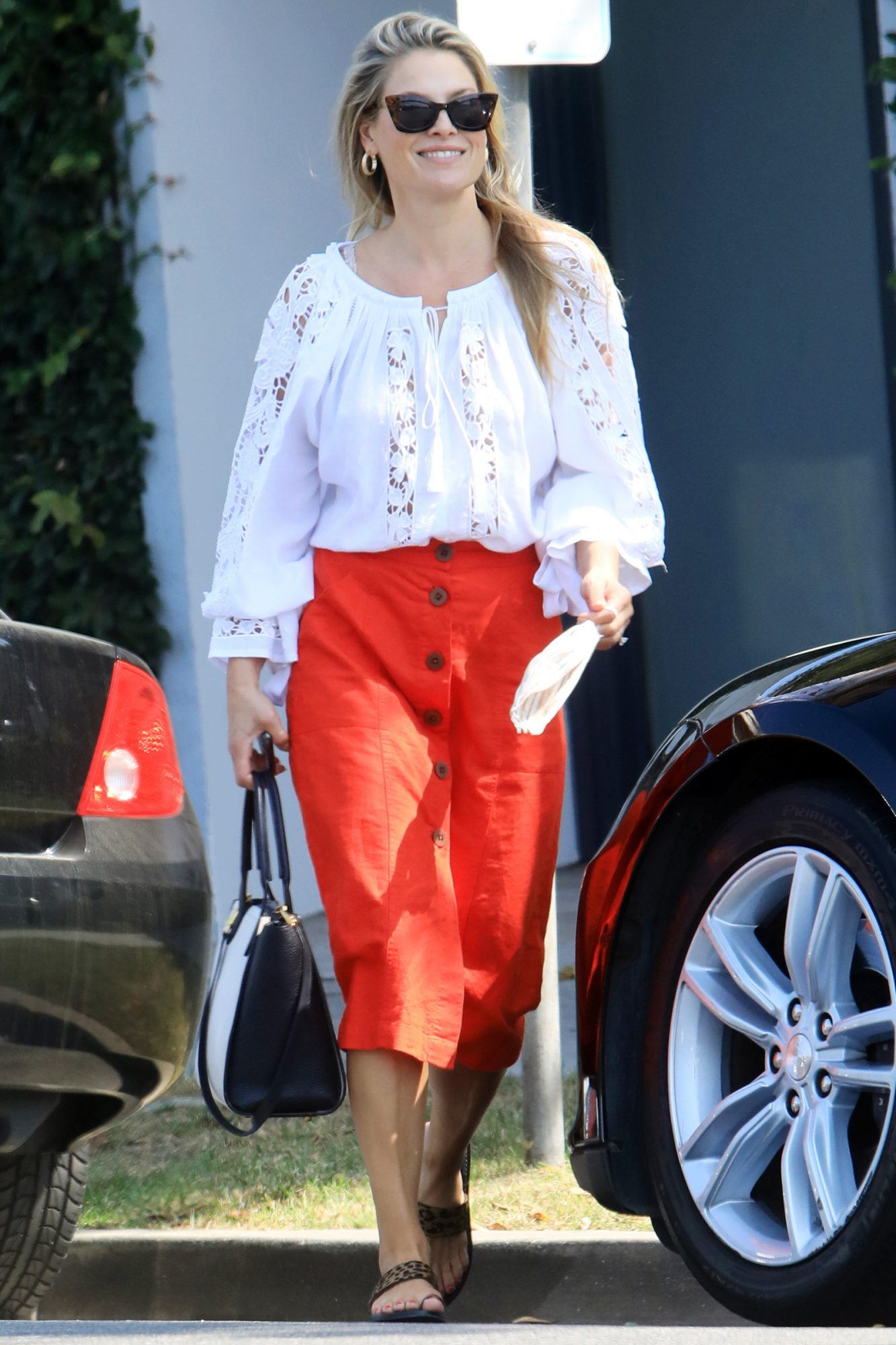 Ali Larter Flashes A Big Smile While Out Running Errands in Beverly Hills