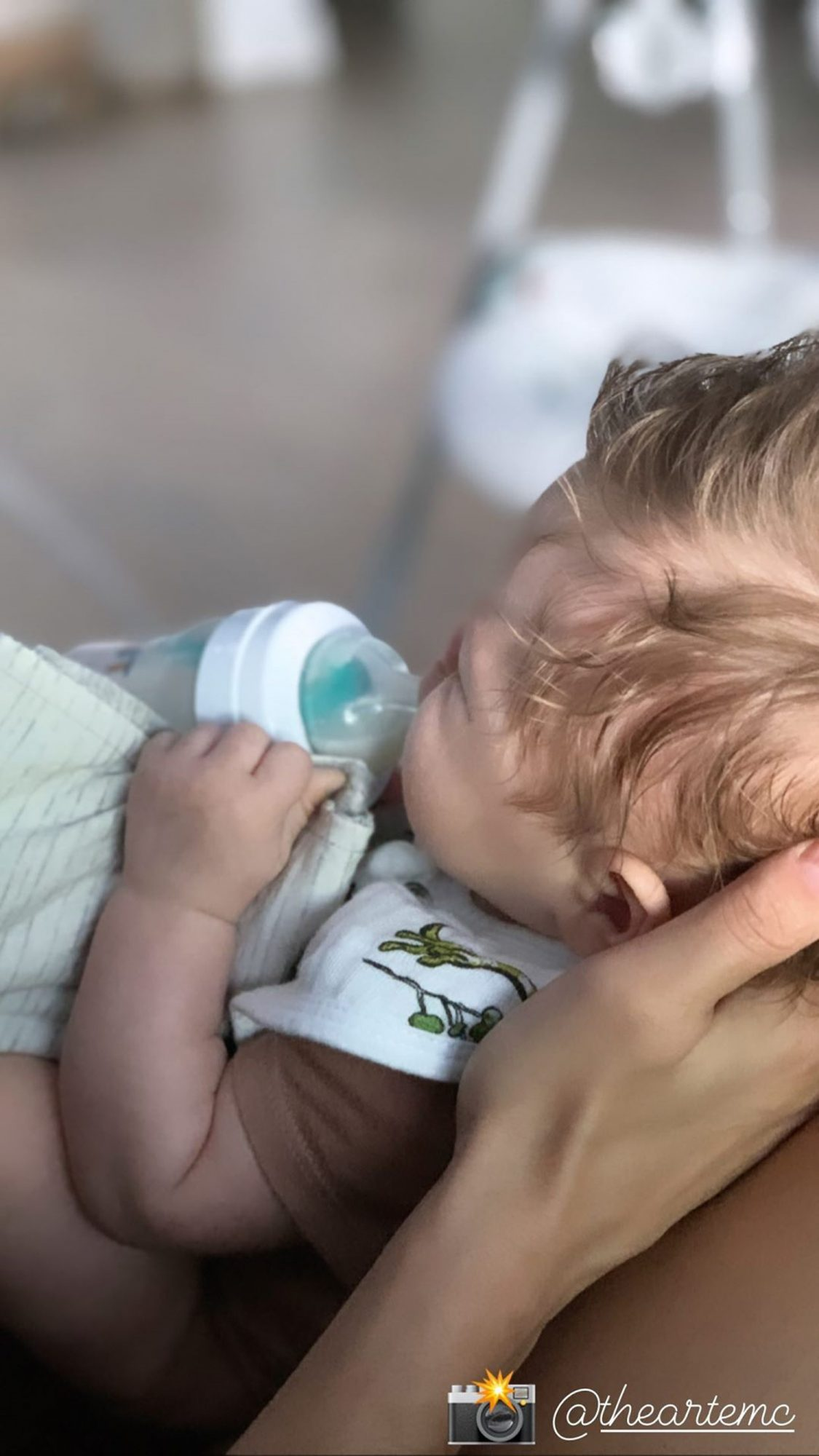 Bella Shares Photo of Herself Pumping Breast Milk: 'Popping Bottles Over Here'