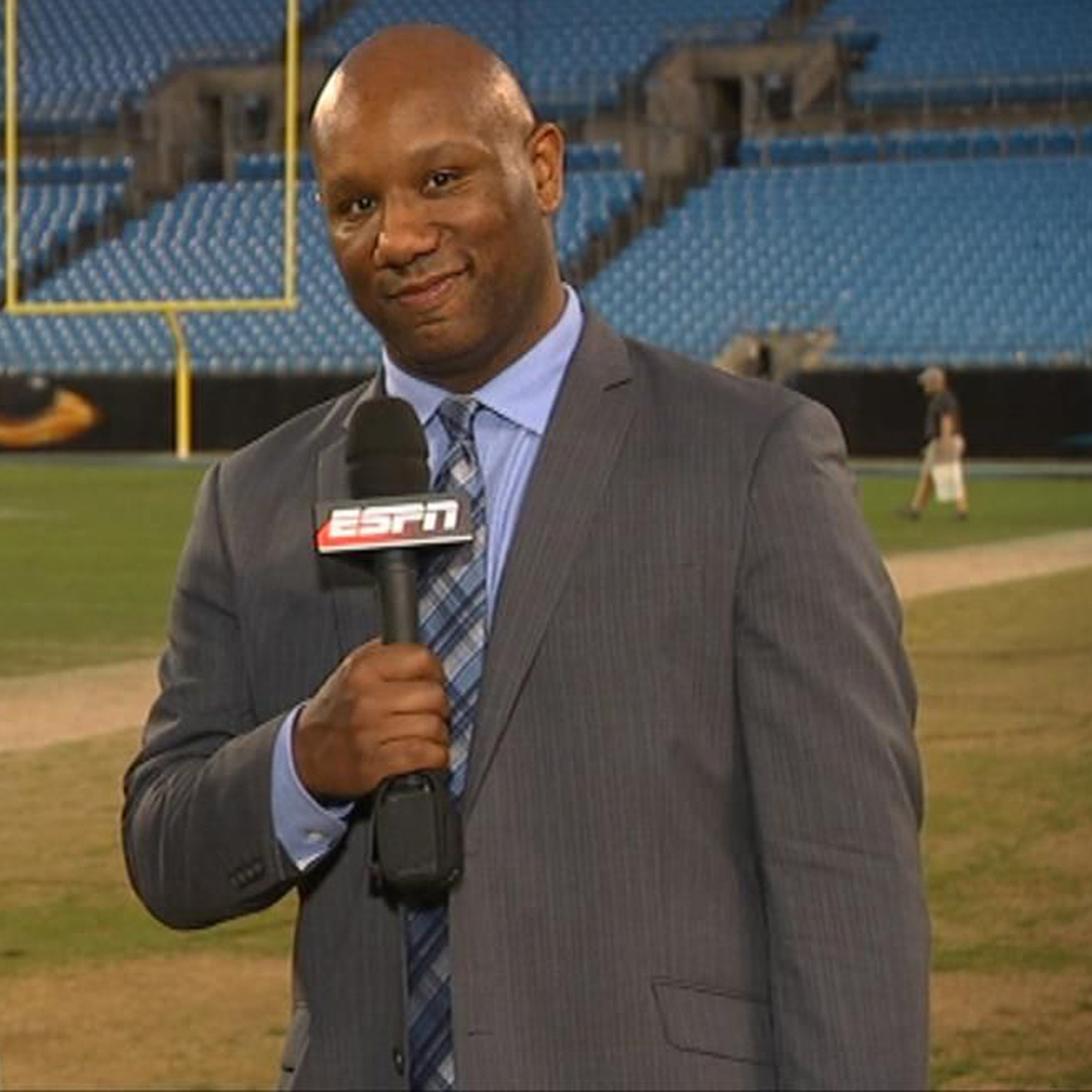 Late ESPN Football Reporter Vaughn McClure Honored at Falcons-Panthers TNF Game