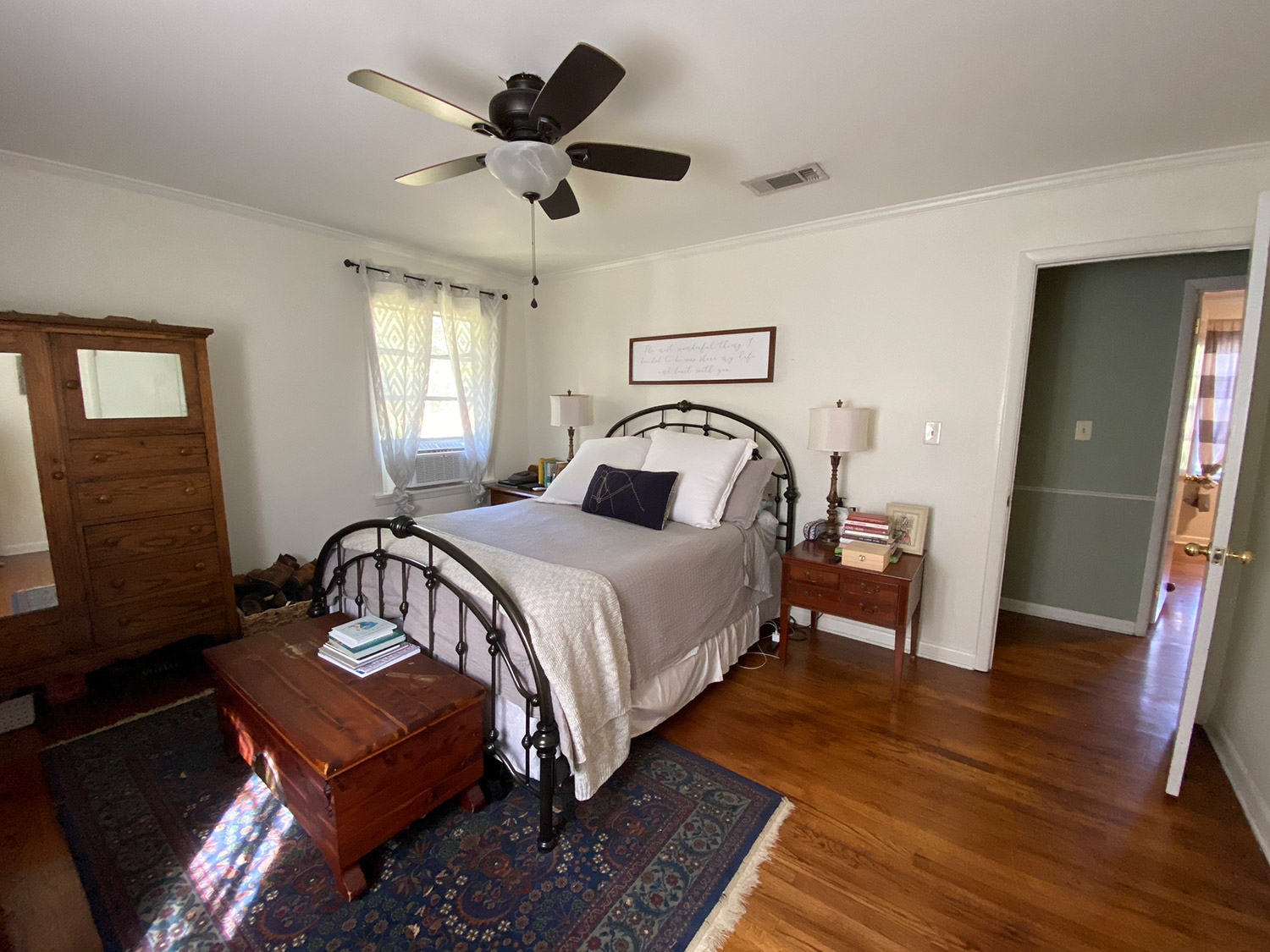 House From Hgtv Home Town For Sale Designed By Erin And Ben Napier People Com
