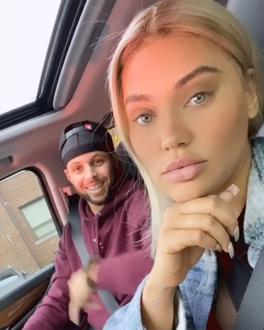 Steph Curry Defends Wife Ayesha S New Platinum Hair Against Instagram Trolls Calling Her A White Woman People Com