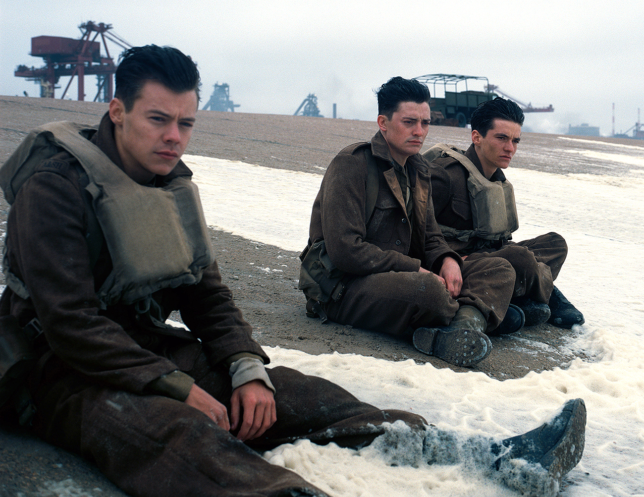 DUNKIRK, l-r: Harry Styles, Aneurin Barnard, Fionn Whitehead, 2017. ©Warner Bros. Pictures/courtesy