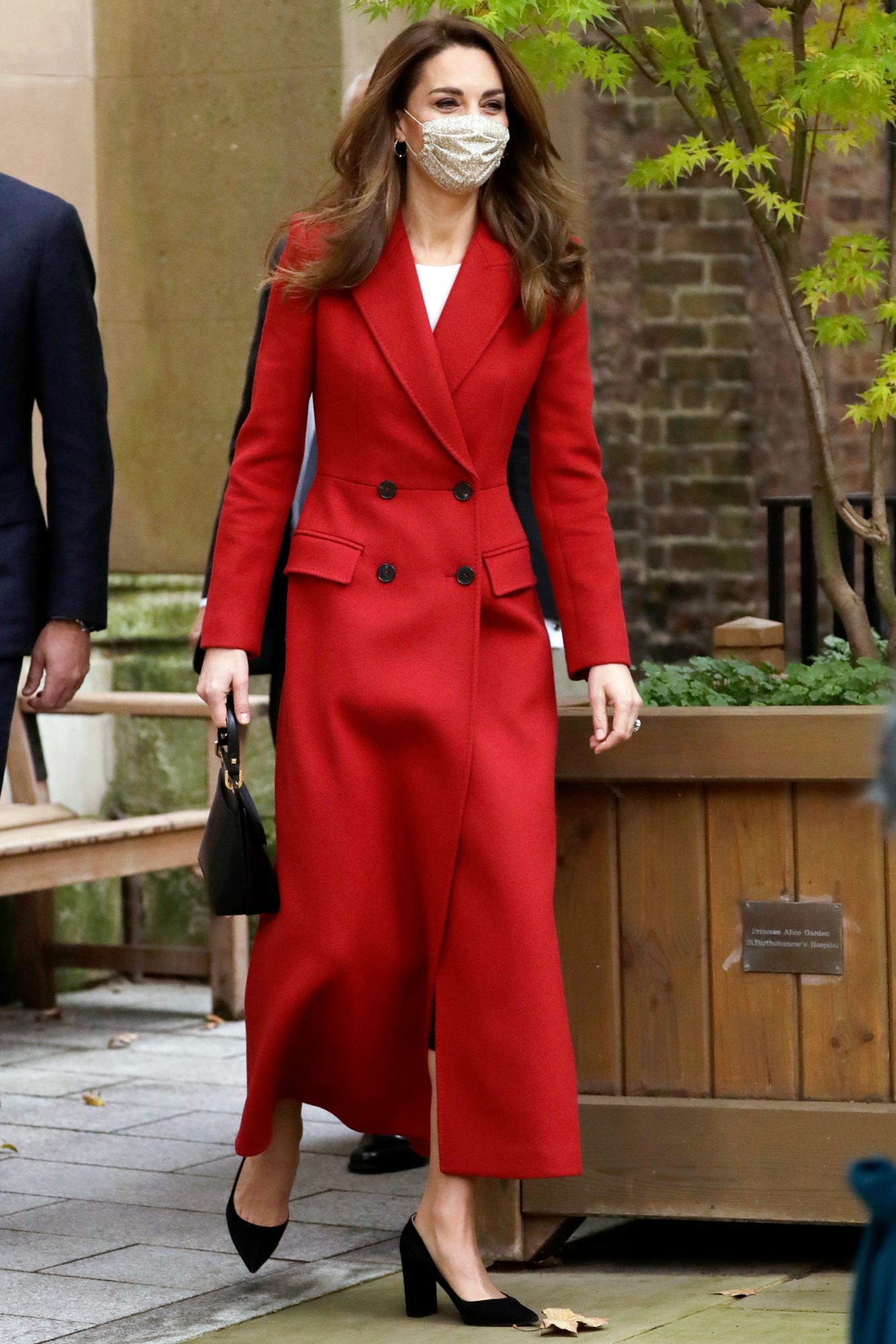 Catherine, Duchess of Cambridge arrives at St. Bartholomew's Hospital to attend an event to mark the launch of the nationwide 'Hold Still' community photography project on October 20, 2020