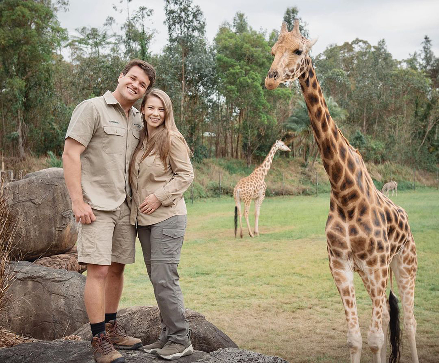 Chandler Powell, Bindi Irwin, giraffe