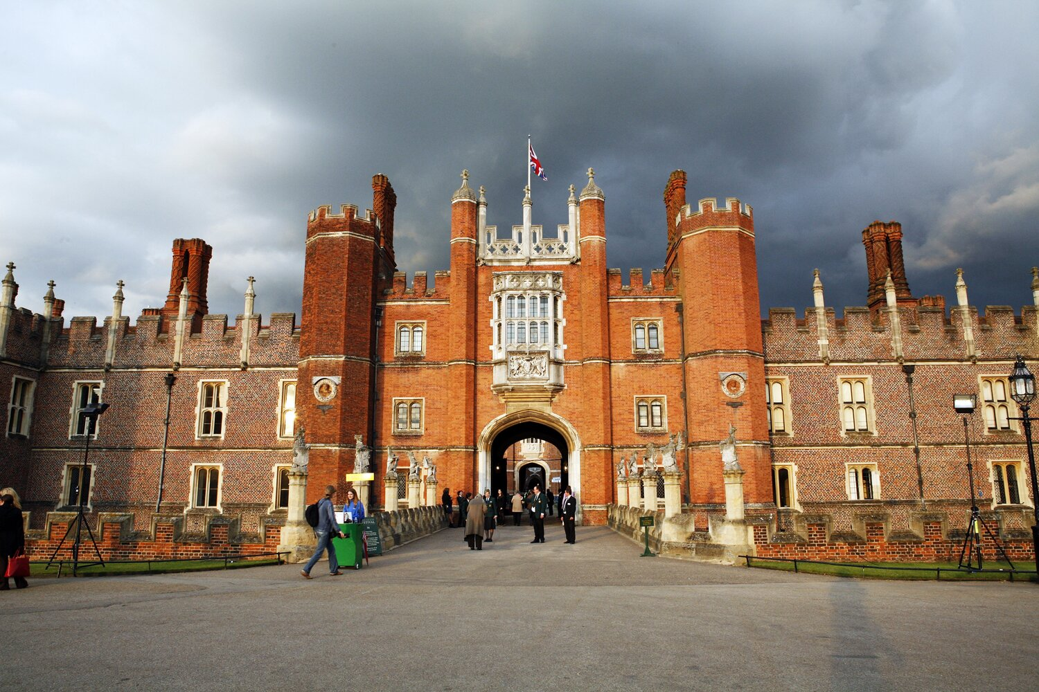 Kensington Palace Among Royal Residences Being Investigated for Ties to Slave Trade Image?url=https%3A%2F%2Fstatic.onecms.io%2Fwp-content%2Fuploads%2Fsites%2F20%2F2020%2F10%2F28%2Fhampton-court-palace-1