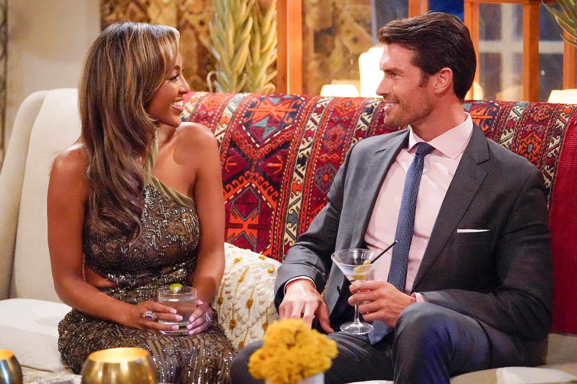 The Bachelorette: Tayshia Adams Officially Takes Over and Meets the Men |  PEOPLE.com