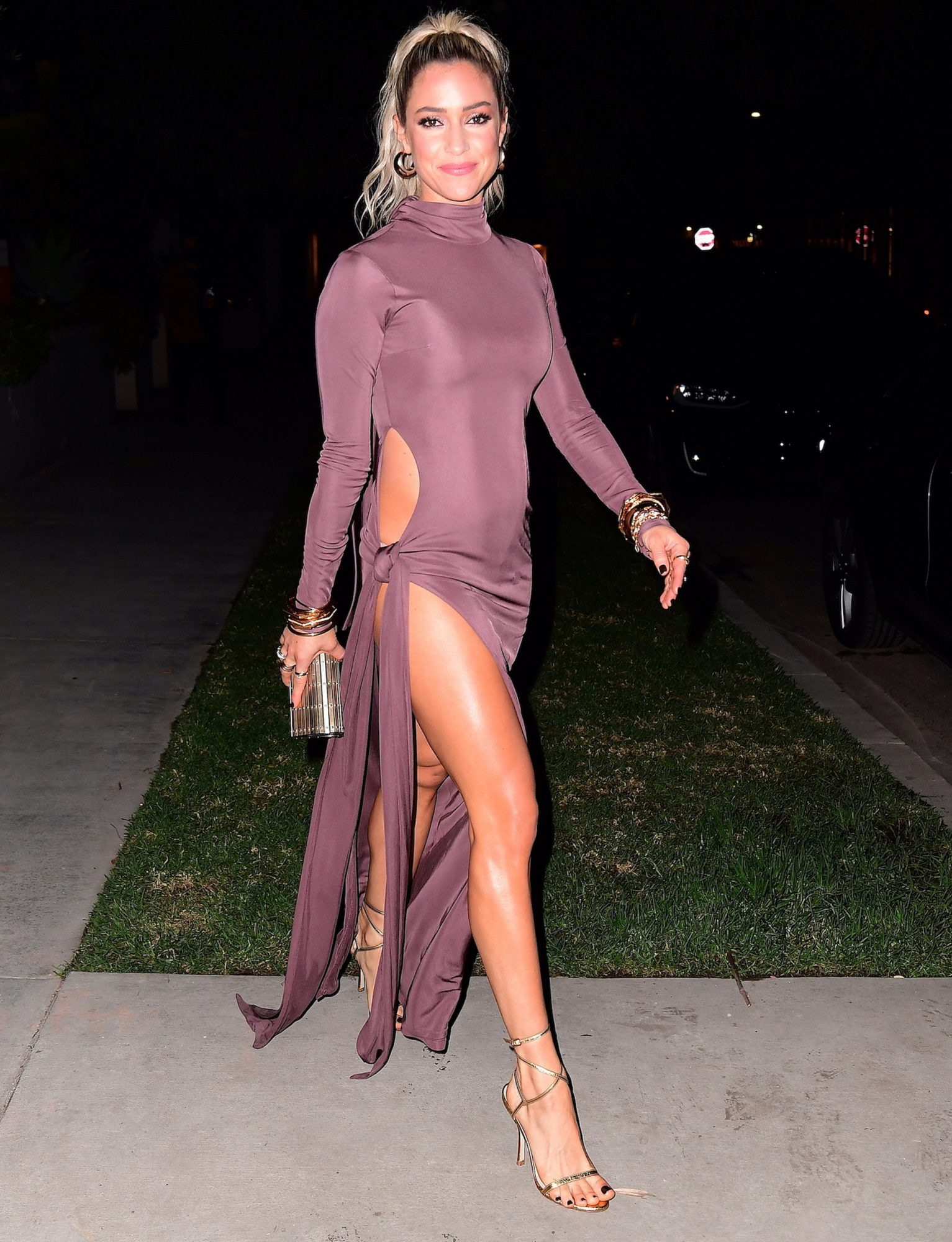 Kristin Cavallari Shows Off Her Stunning Legs as She Heads to the AMA's