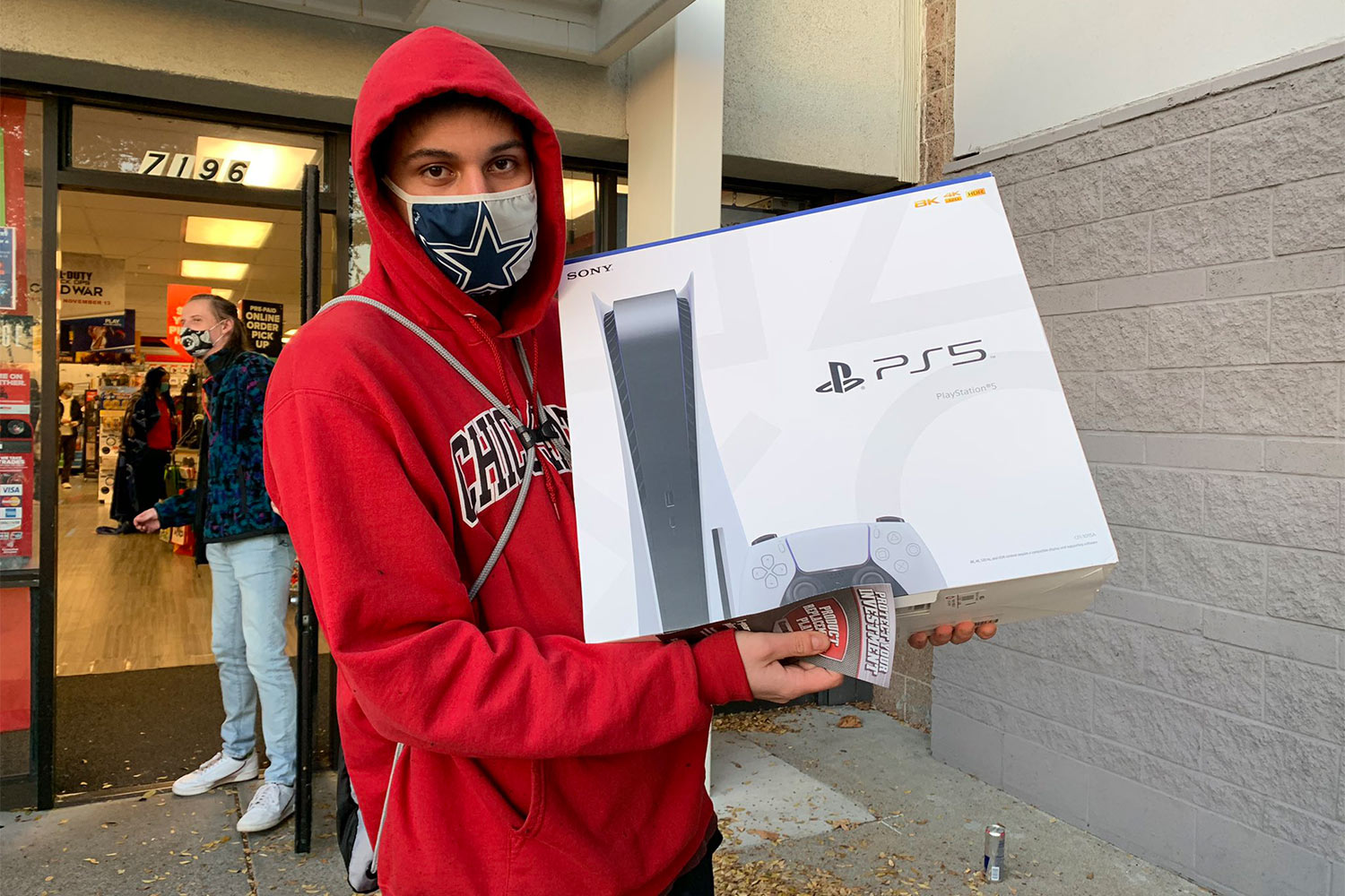 20-Year-Old Calif. Man Waits 36 hours Outside of Video Game Store to Buy PlayStation 5