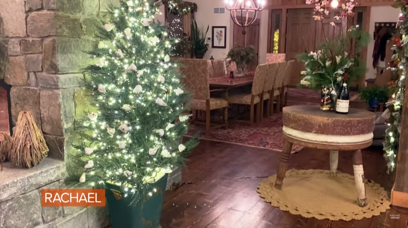 Rachael Ray's Christmas Décor Tour In Guest House