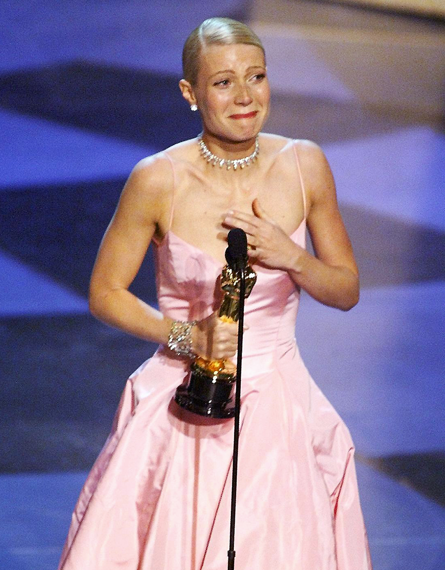 """Gwyneth Paltrow cries as she receives the Oscar for Best Actress for her role in """"Shakespeare in Love"""""""