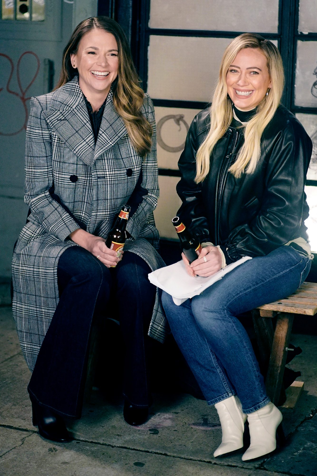 """Sutton Foster And Hilary Duff Film A Scene For The Final Season Of """"Younger"""""""