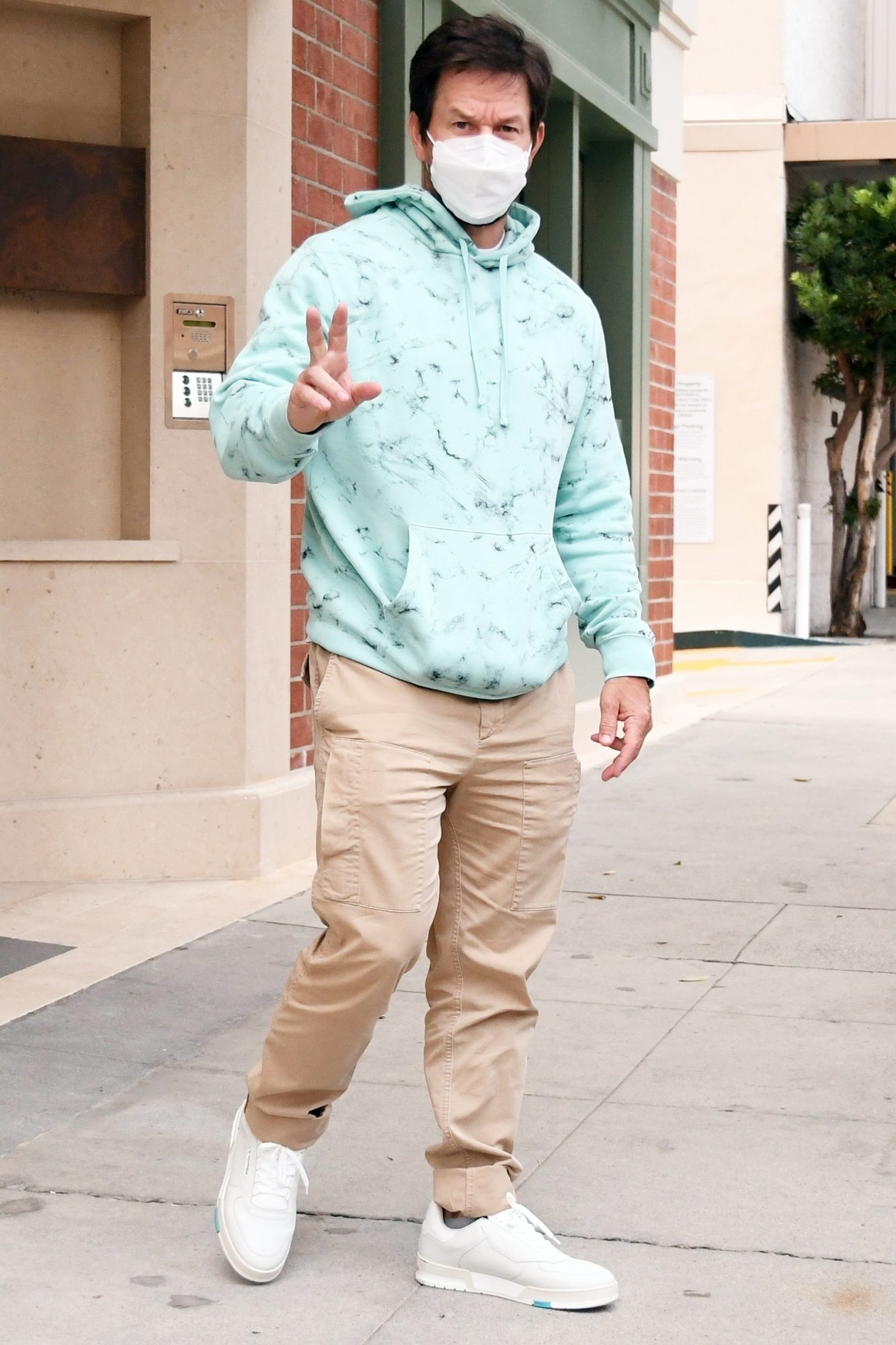 Mark Wahlberg steps out for a quick doctor's visit in Beverly Hills