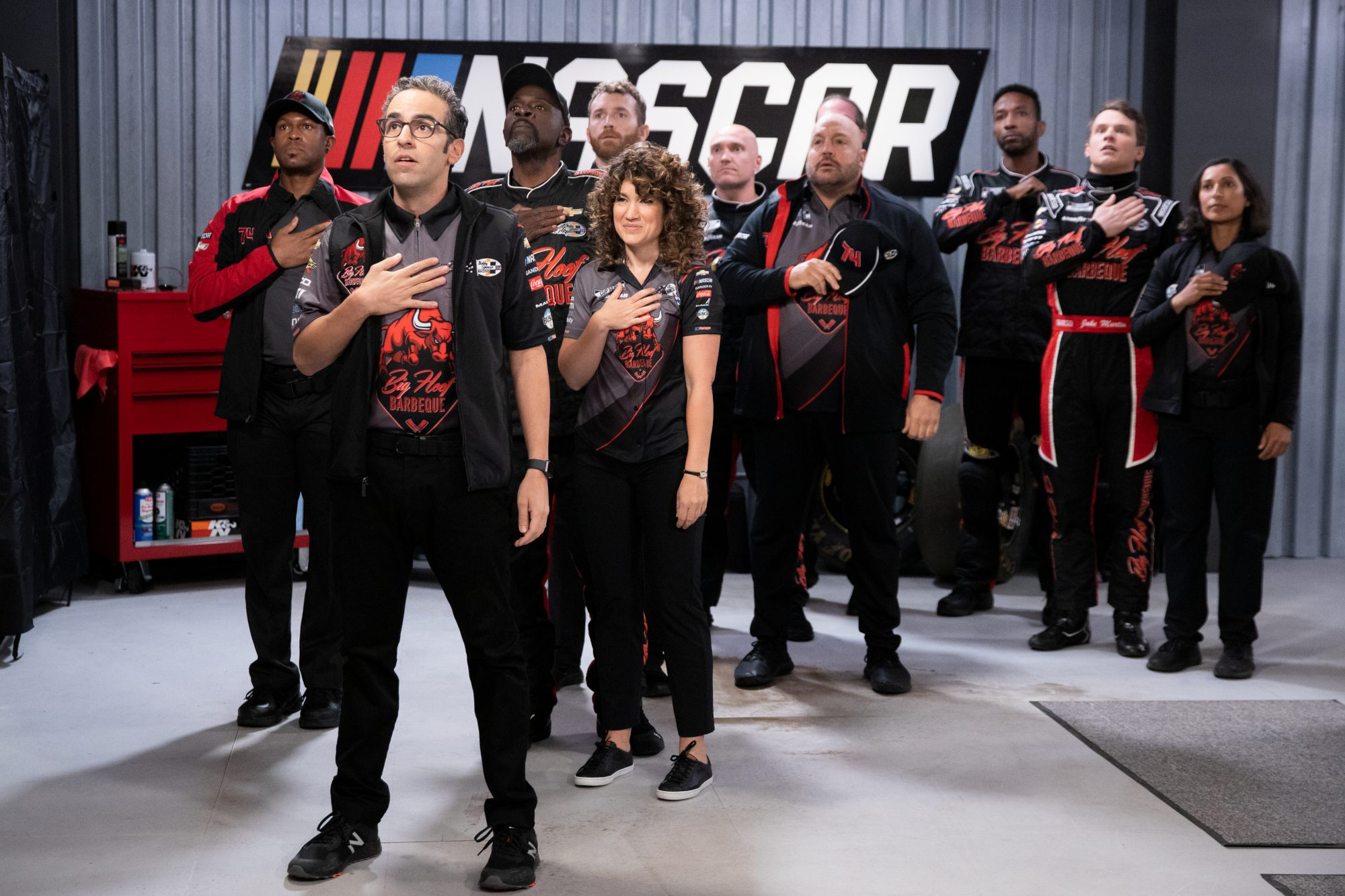 WATCH: Kevin James in Trailer for Netflix Sitcom The Crew   PEOPLE.com