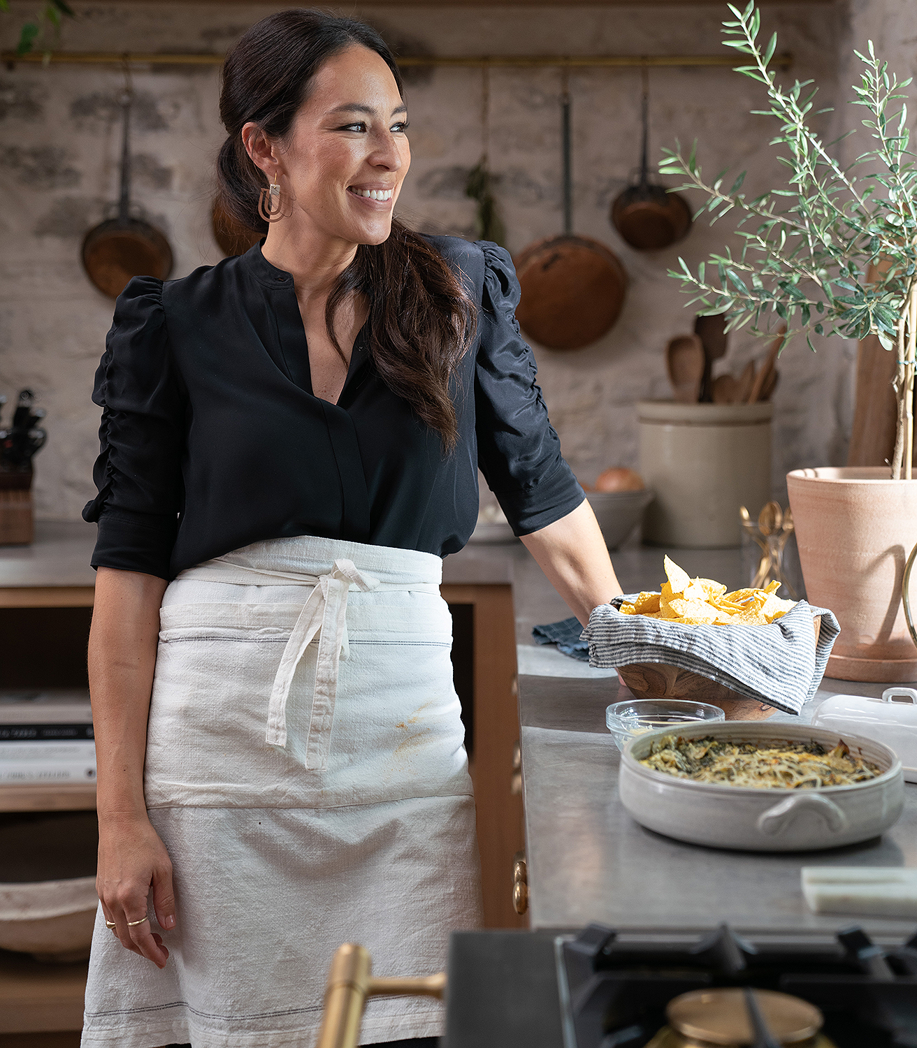 Joanna Gaines Cooks Cheese Balls In Magnolia Table Clip People Com