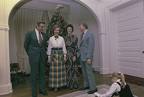 Jimmy Carter and Rosalynn Carter with Walter Mondale and Joan Mondale for dinner at the Vice-President's residence