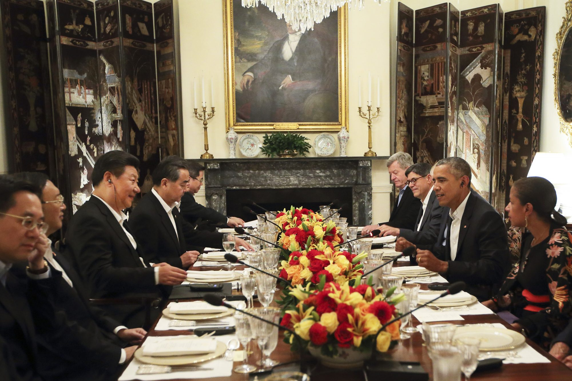 Chinese President Xi Jinping, third left, meets with U.S. President Barack Obama, second right, at the Blair House in Washington D.C., the United States, Sept. 24, 2015