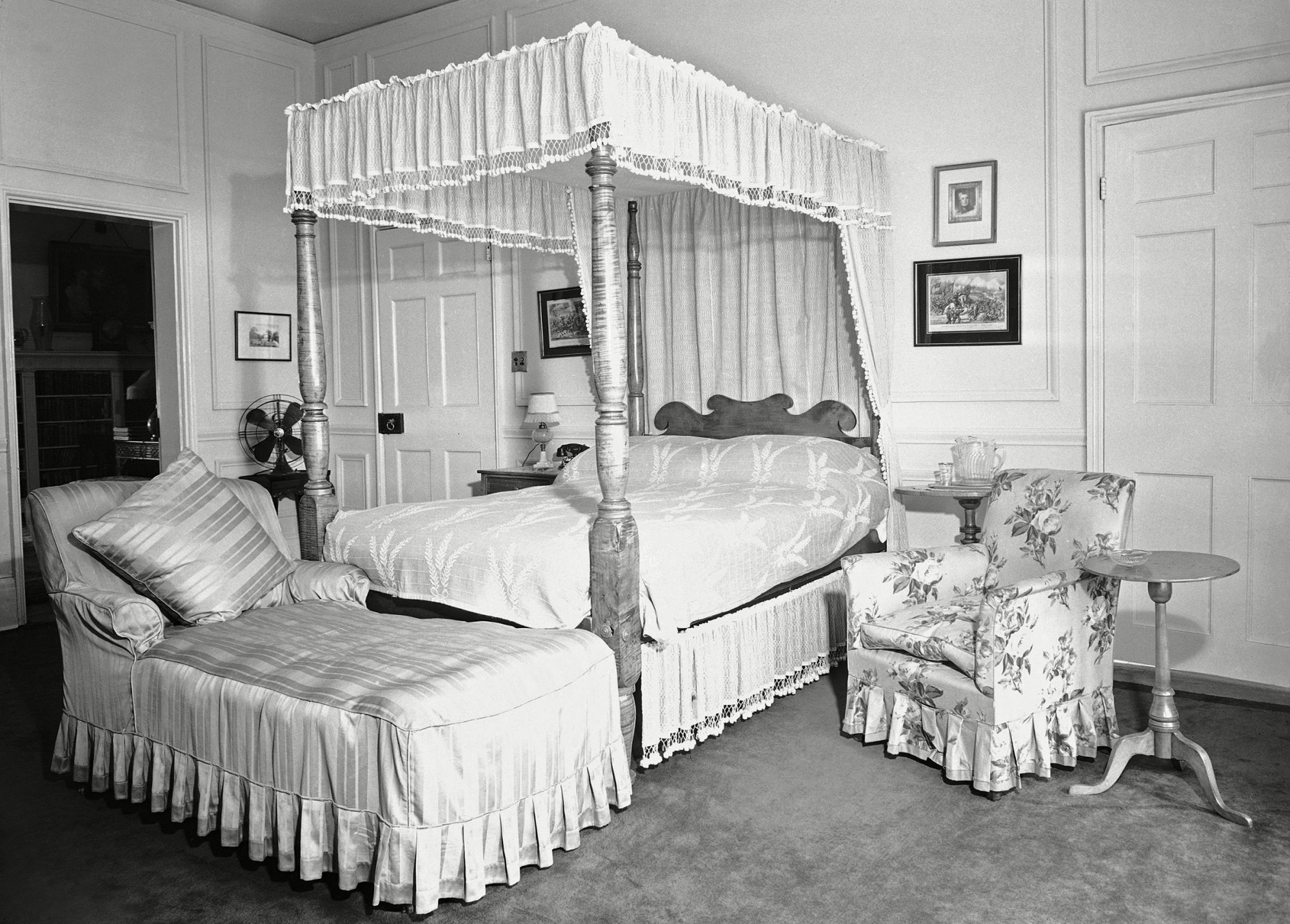 This is the master bedroom at Blair House, where royal visitors sleep in Washington on Blair House 1942, Washington, USA
