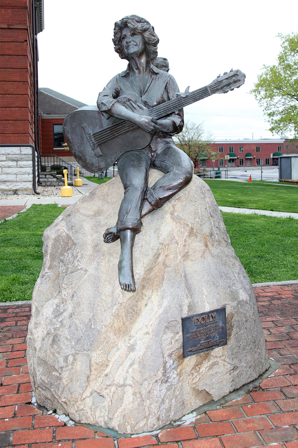 Statue of Dolly Parton