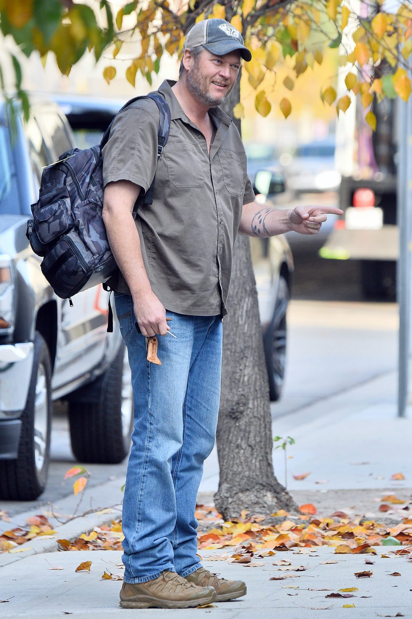 Blake Shelton heads to a studio in Burbank