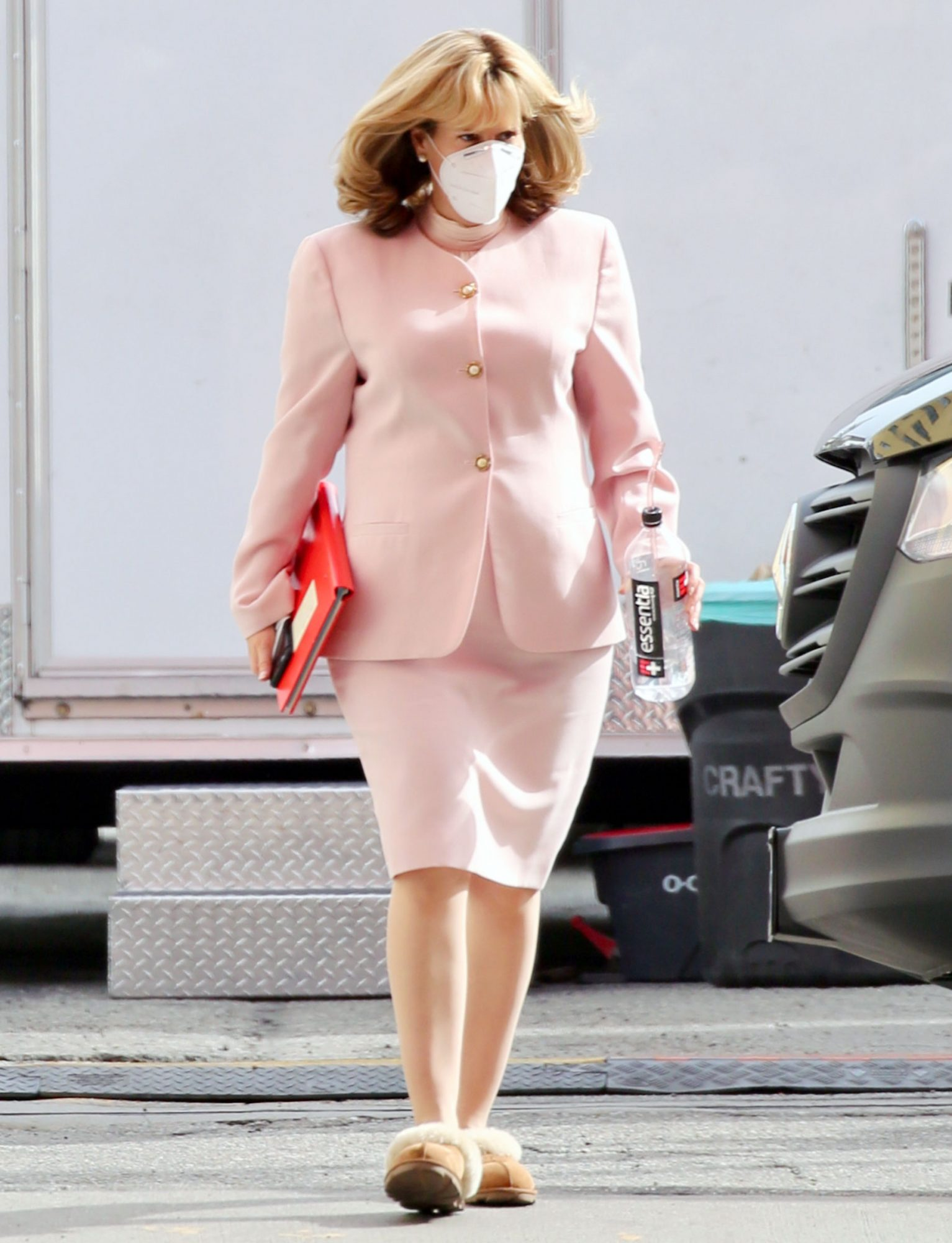 Sarah Paulson as Linda Tripp on the Set of 'American Crime Story' in Los Angeles.