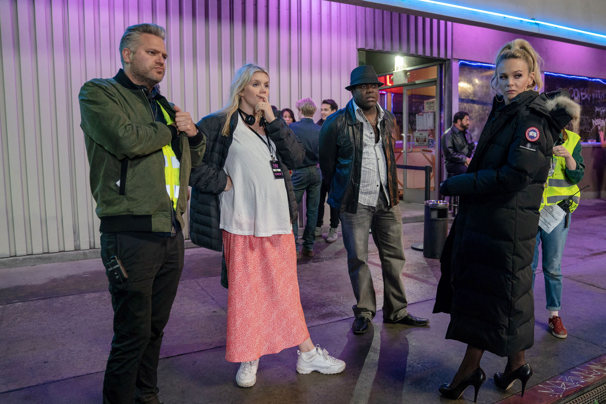 (L to R) Director of photography Benjamin Kracun, writer / director Emerald Fennell, actor Sam Richardson, and actor Carey Mulligan on the set of PROMSING YOUNG WOMAN