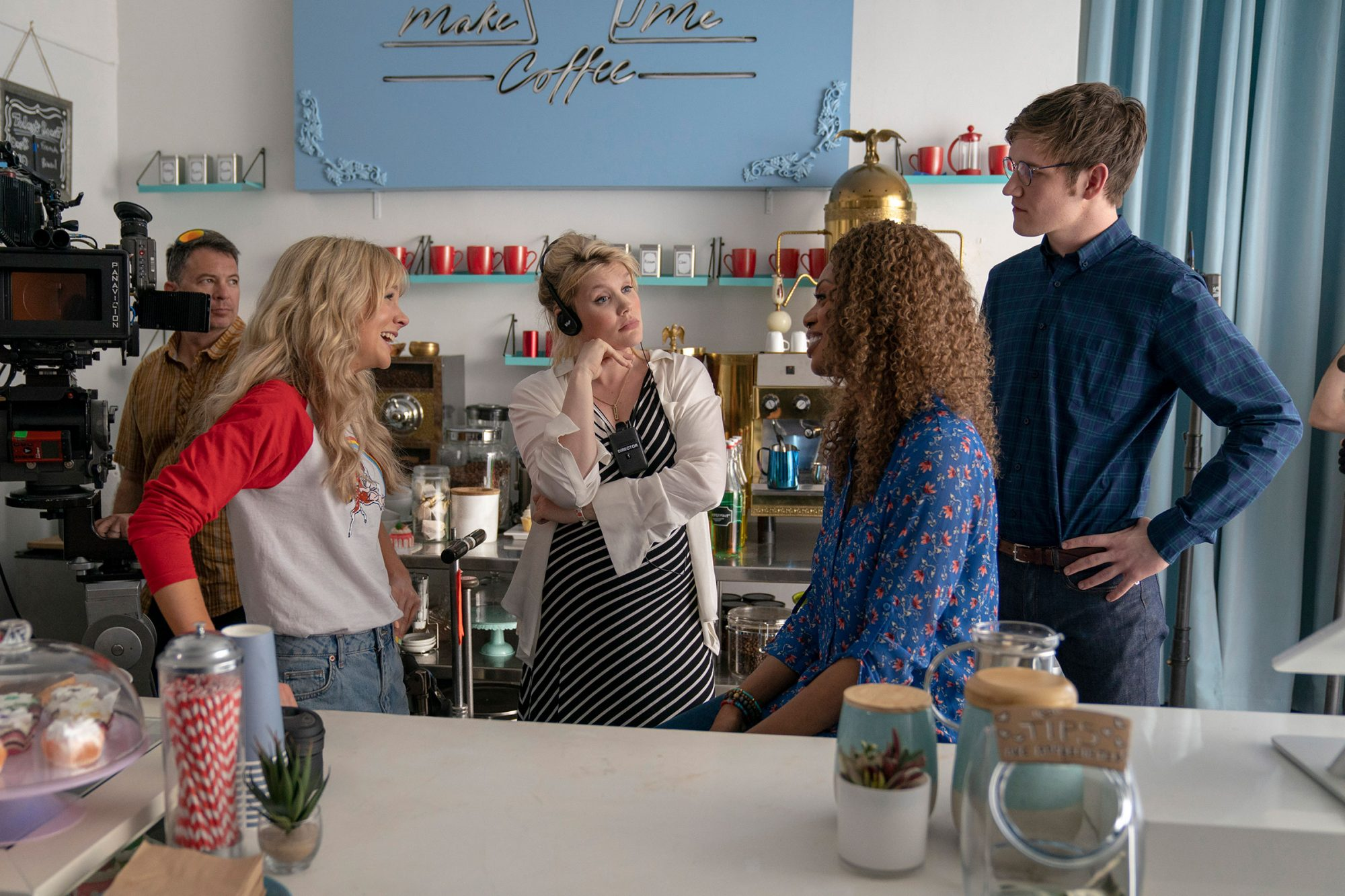 (L to R) Actor Carey Mulligan, writer / director Emerald Fennell, actor Laverne Cox, and actor Bo Burnham on the set of PROMSING YOUNG WOMAN