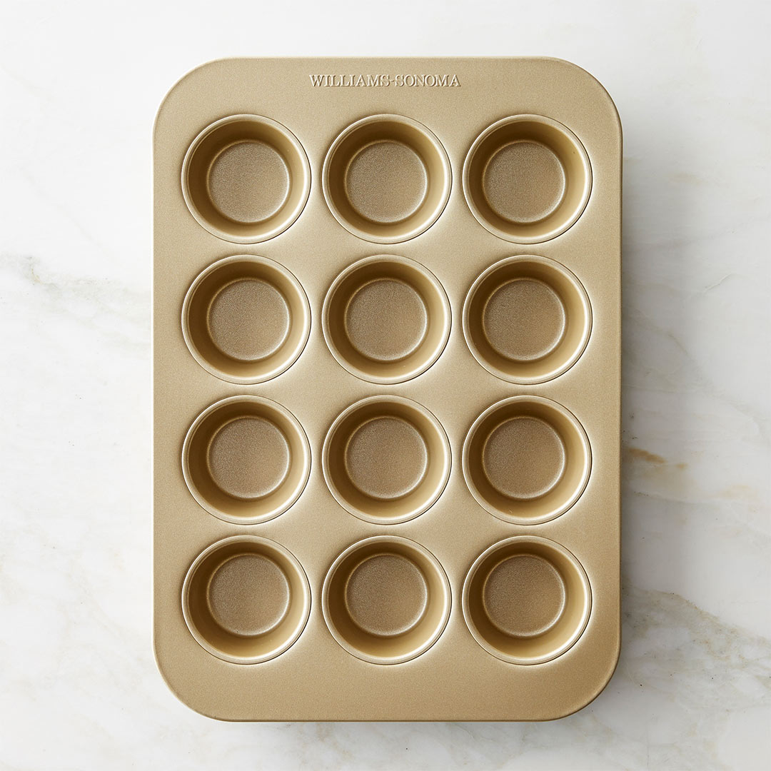 William Sonoma Goldtouch Pro Muffin Tin