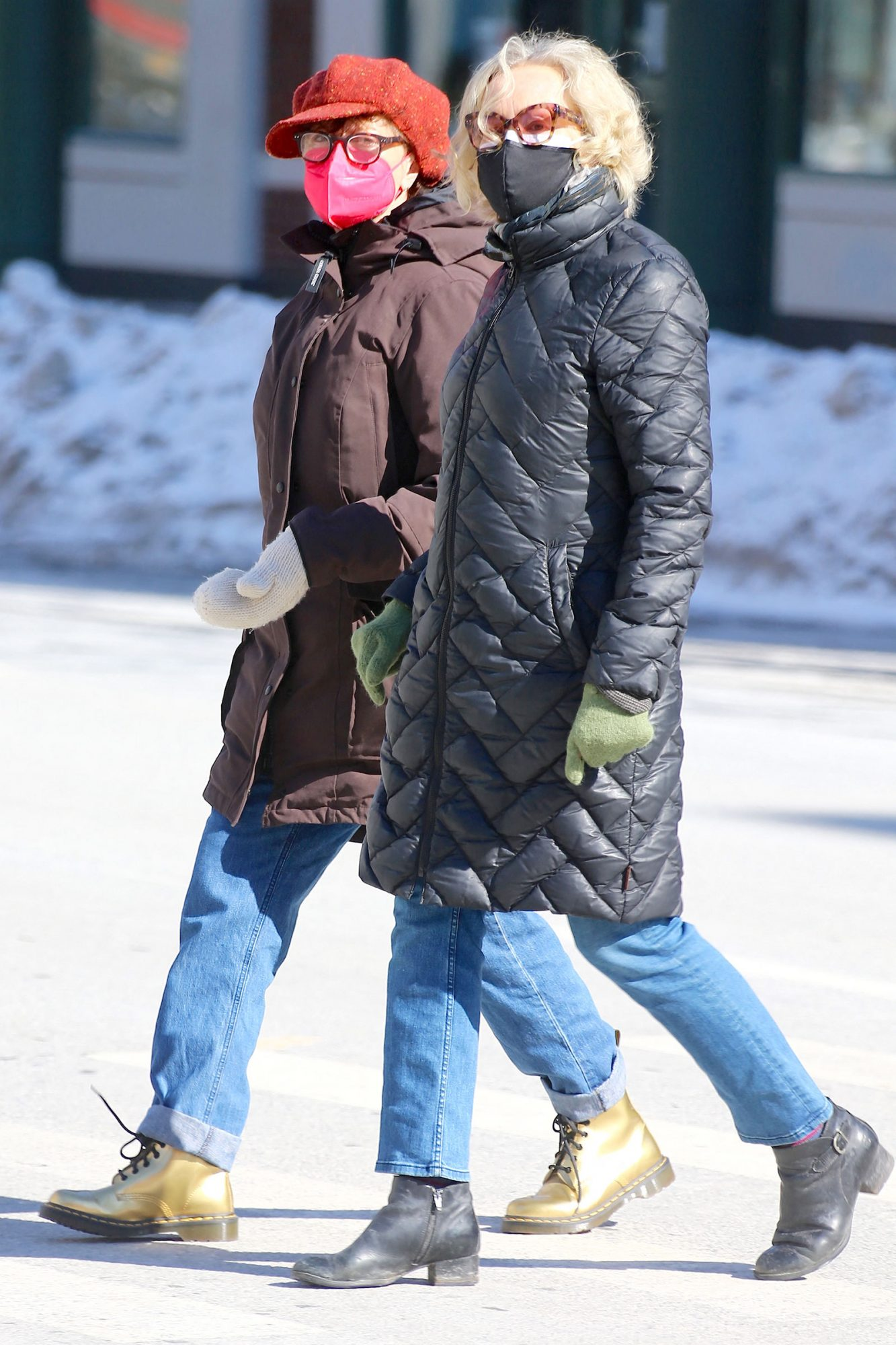 Actresses Susan Sarandon and Jessica Lange are walking together on Sixth Avenue in New York on February 8, 2021.