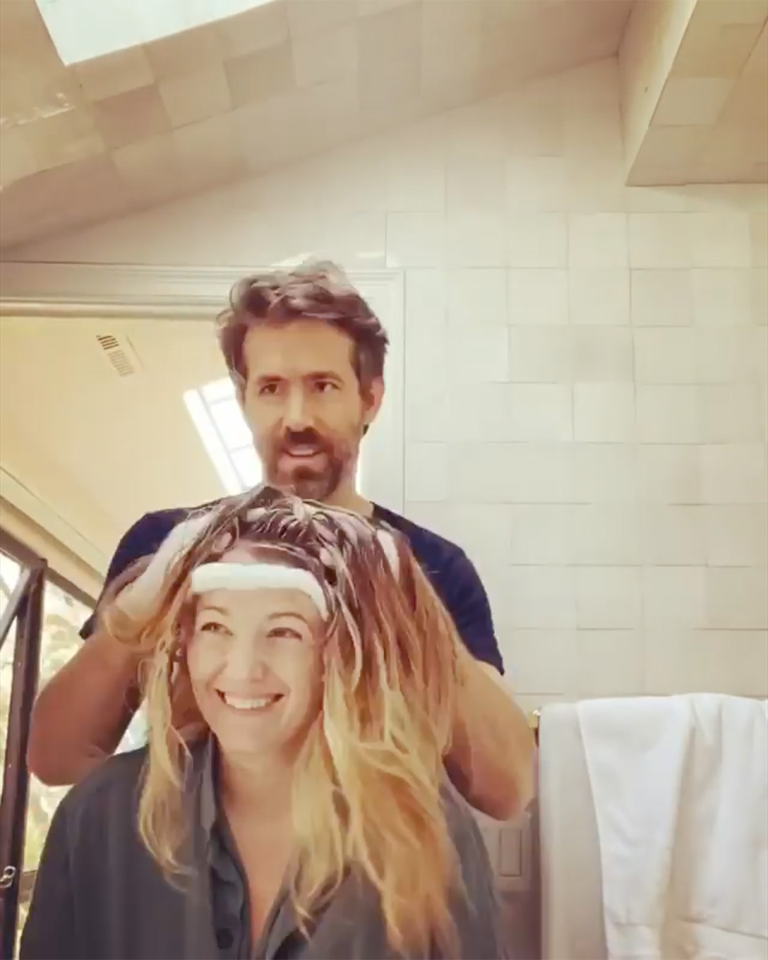 Ryan Reynolds Colors Blake Lively Hair in the Actress's Sweet Valentine's Day Tribute
