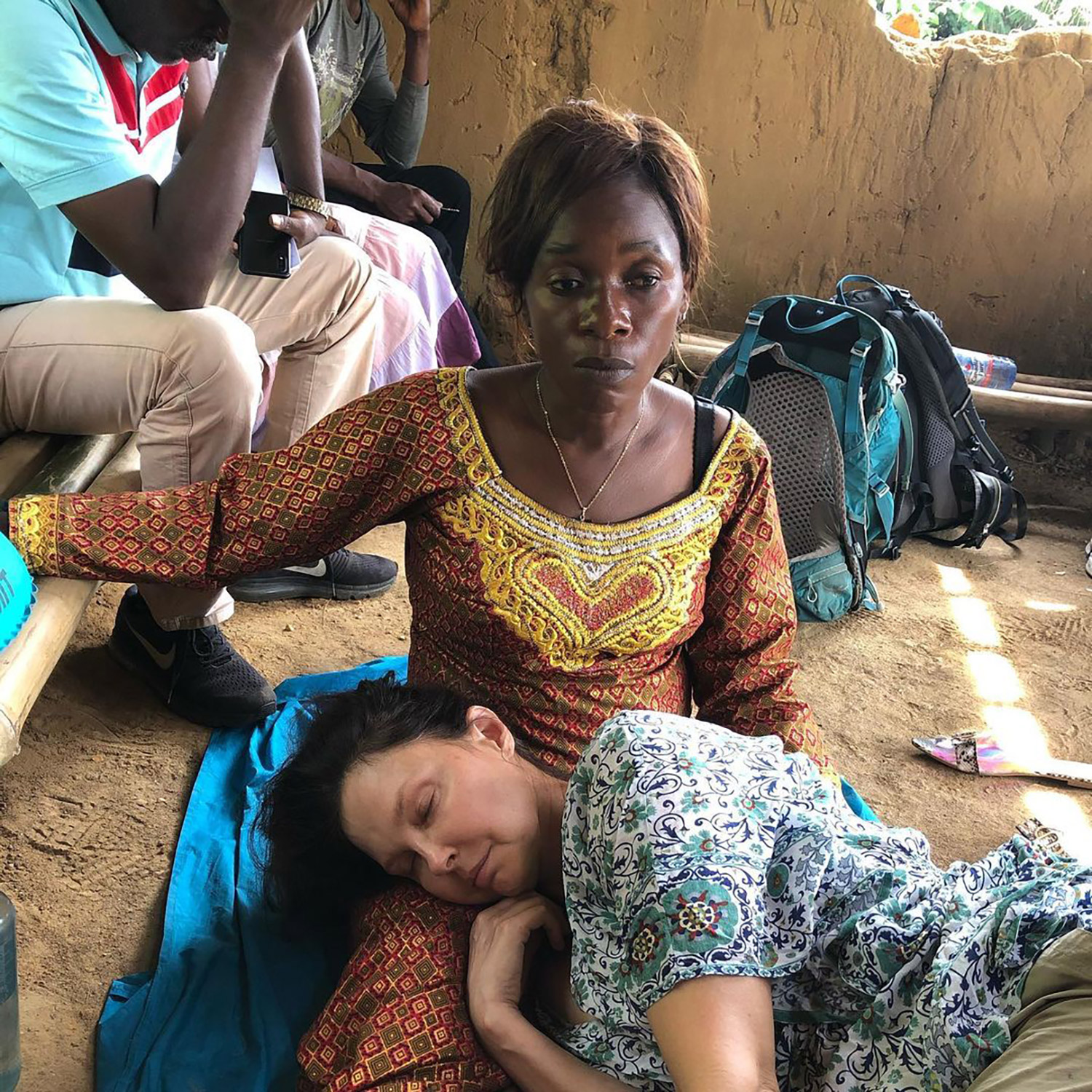 Today, five months and three weeks after the accident in the congolese rainforest, i walked again, ashley judd revealed, alongside footage of her hiking at swiss national park in switzerland. Ashley Judd Shares Photos From Her Grueling 55 Hour Rescue In The Congo People Com