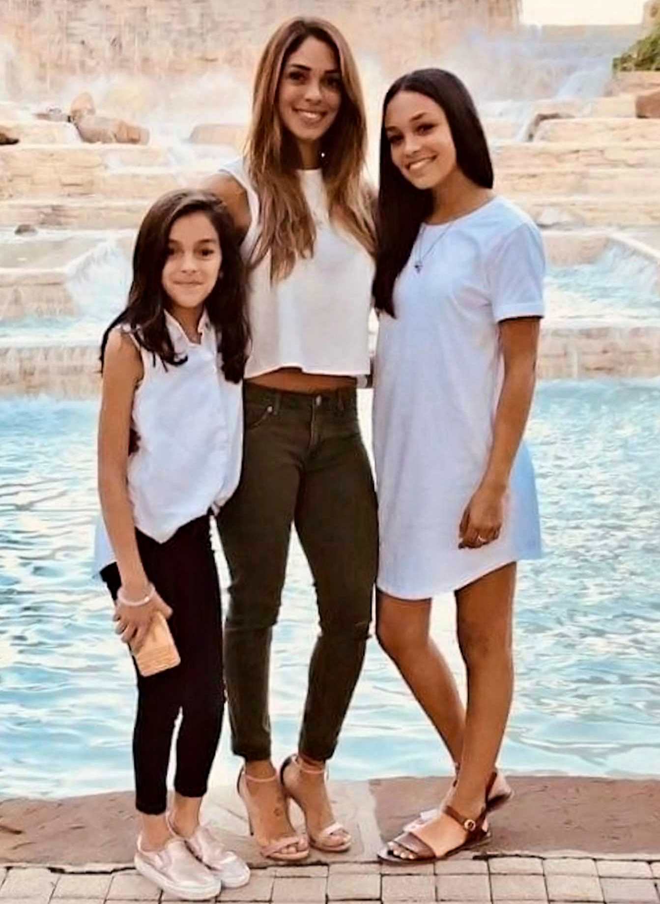 Nichol Olsen and daughters London and Alexa