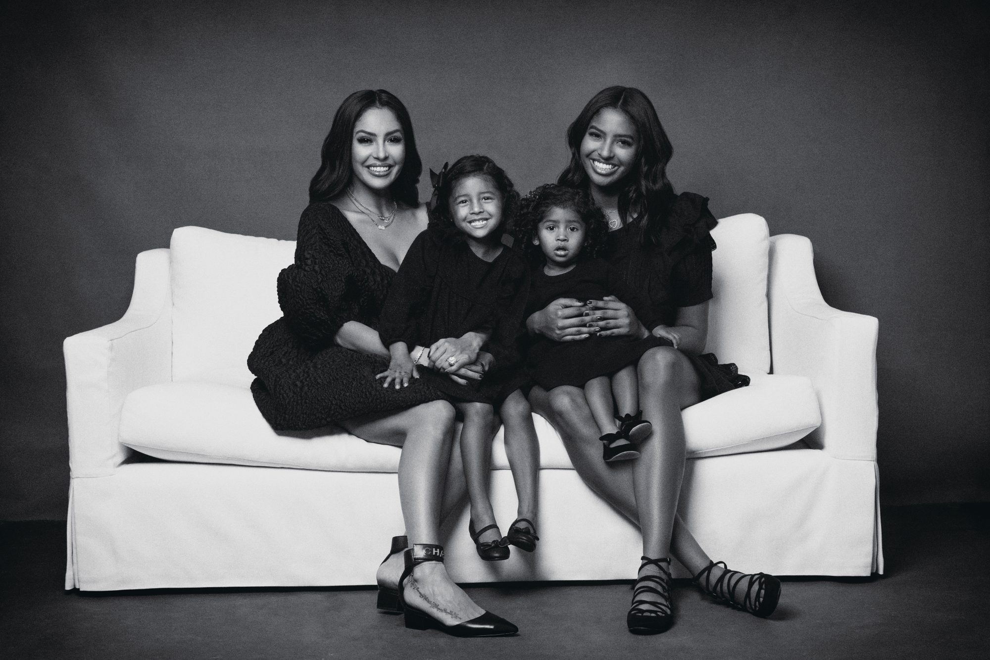 Vanessa Bryant with her daughters