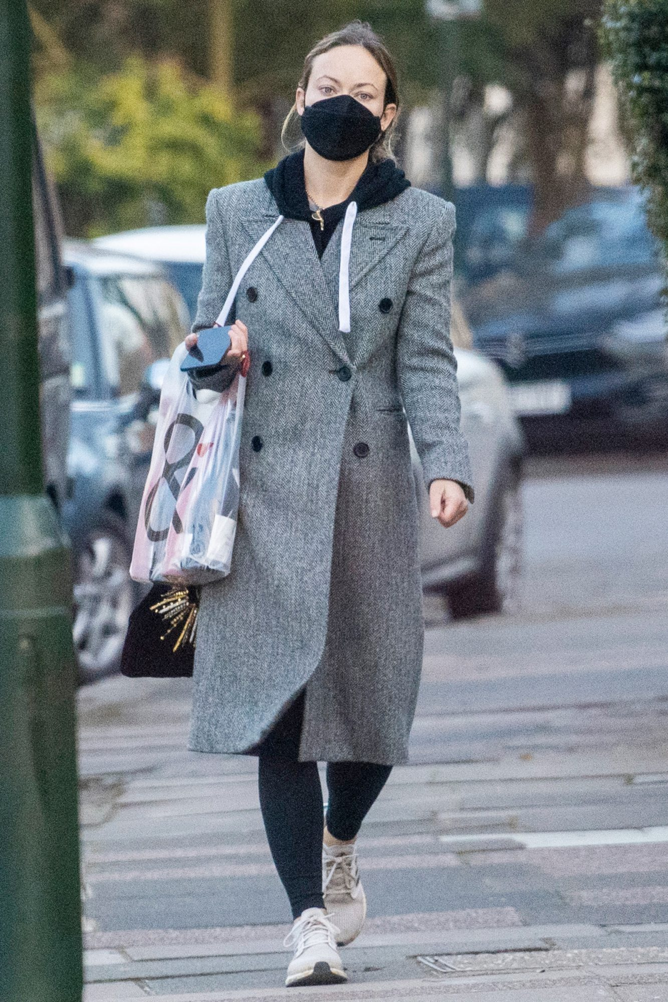 Olivia Wilde is Spotted on a Trip to Pick Up Some Wine in London