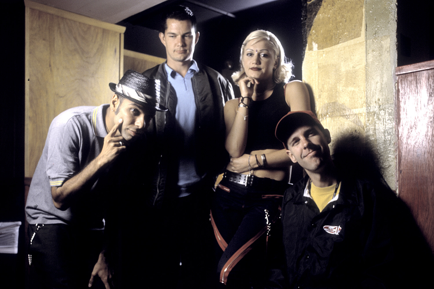 Tony Kanal, Adrian Young, Gwen Stefani, and Tom Dumont