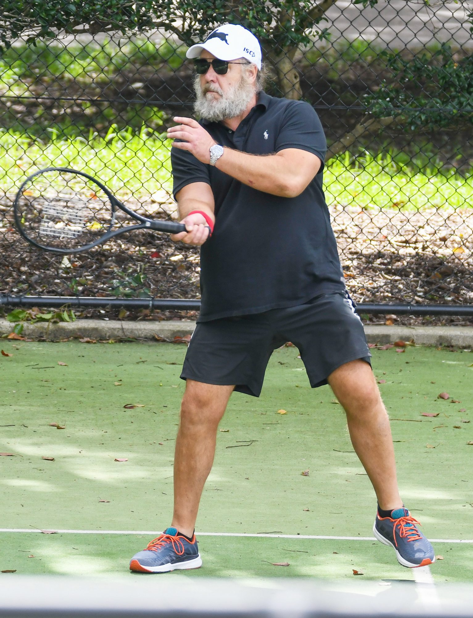 Russell Crowe And Girlfriend Britney Theriot Hit The Courts For Their Regular Tennis Double Match In Sydney