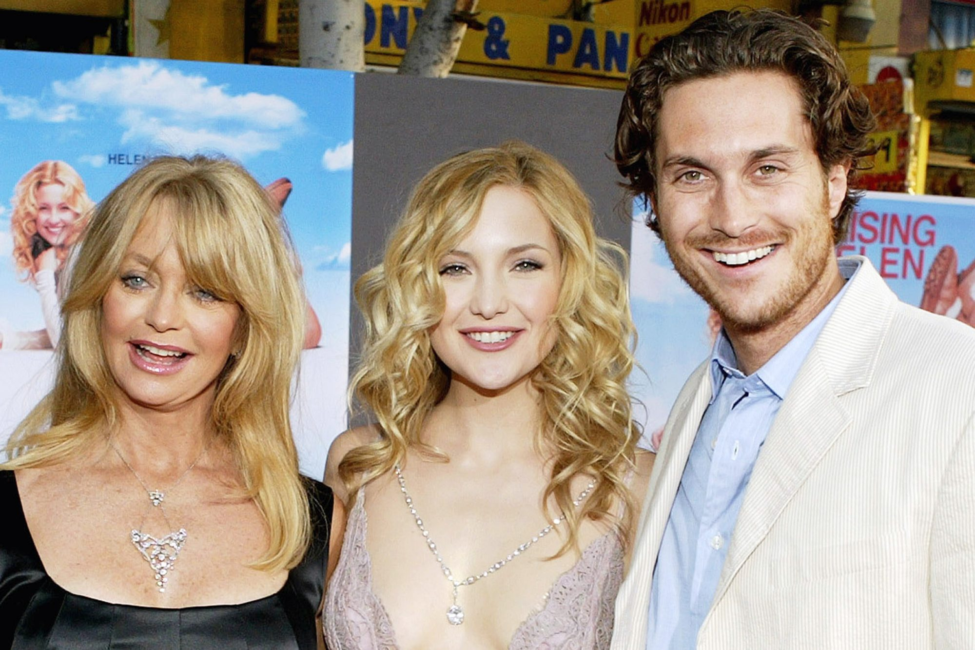 Goldie Hawn, Kate Hudson, and Oliver Hudson