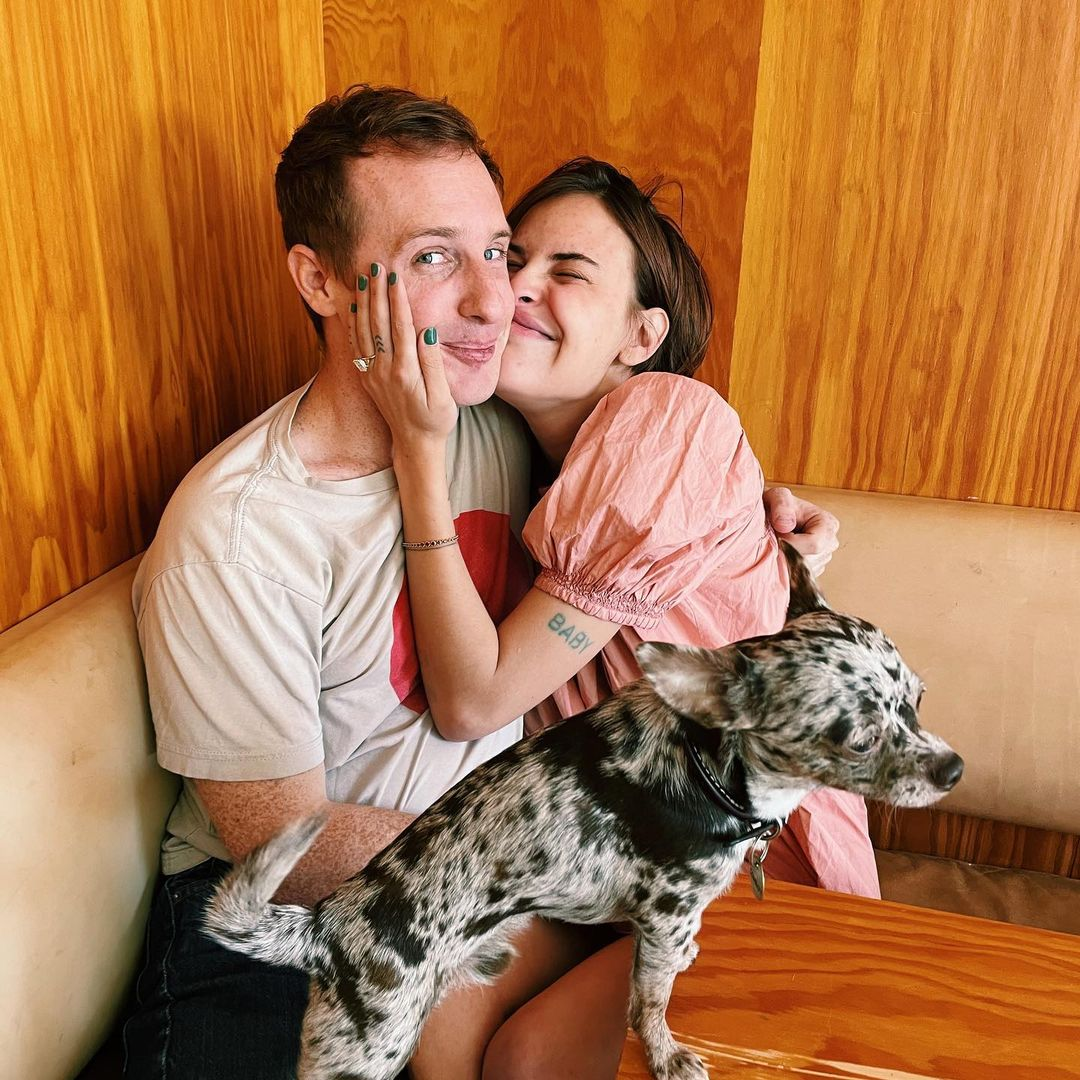 tallulah willis and Dillon buss engages