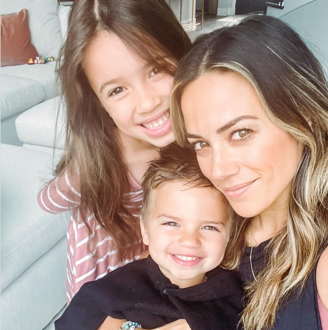 Jana Kramer with her children